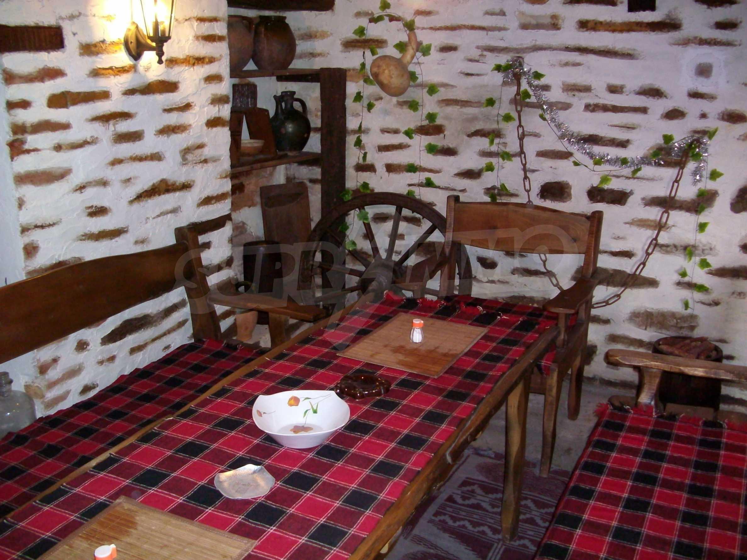 Vollständig möbliertes Anwesen im erhaltenen traditionellen bulgarischen Stil 9
