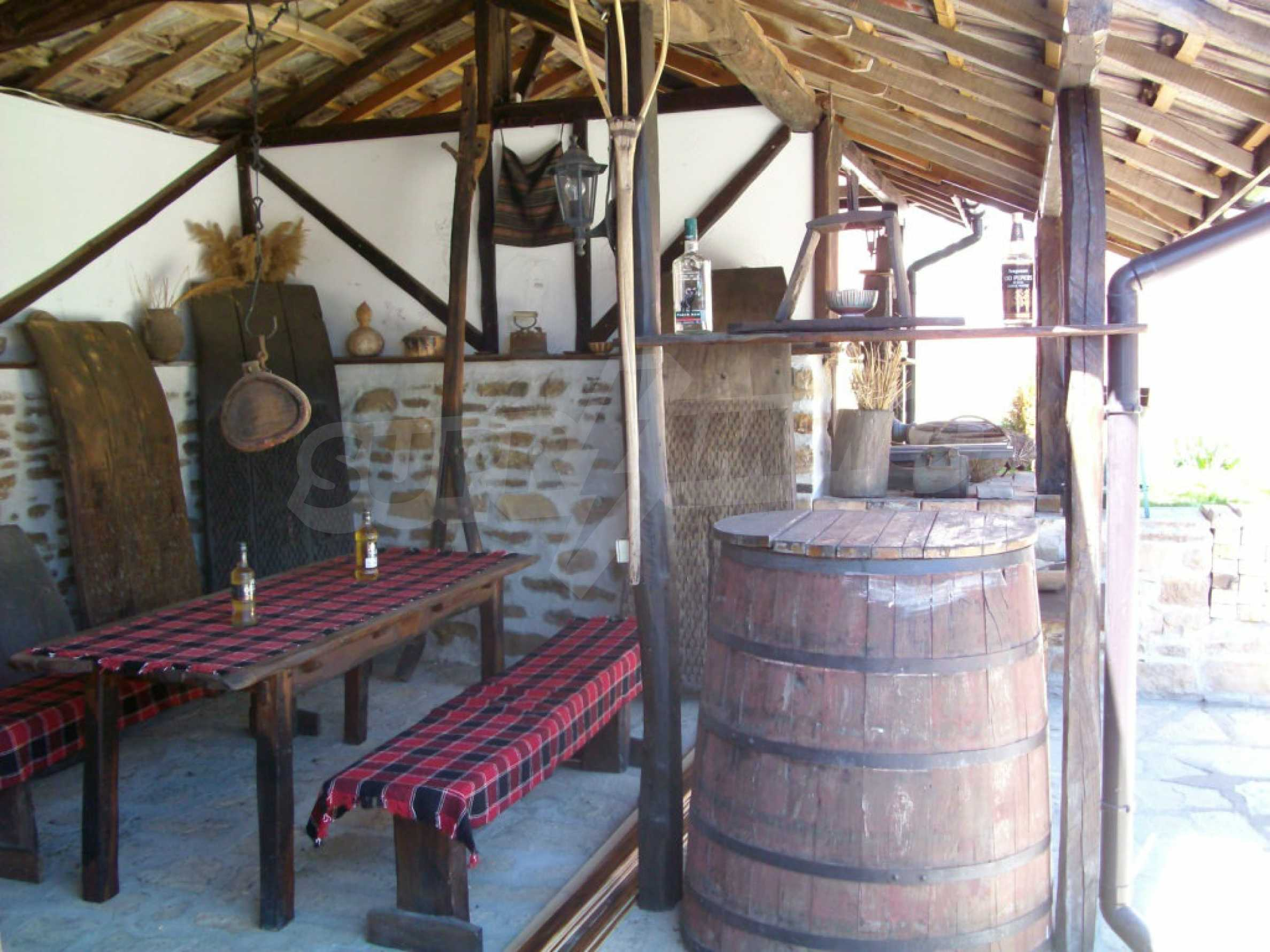 Vollständig möbliertes Anwesen im erhaltenen traditionellen bulgarischen Stil 14