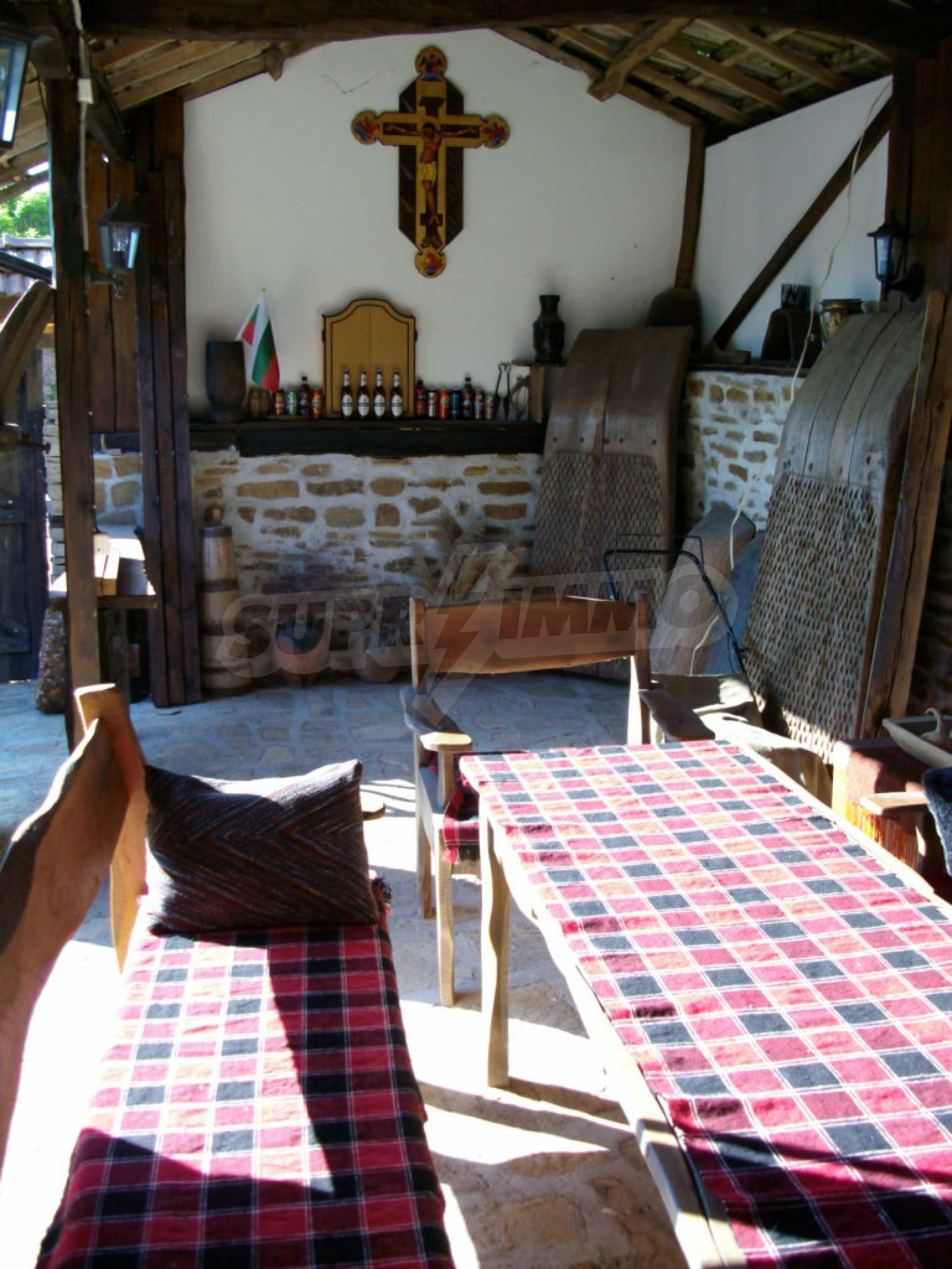 Vollständig möbliertes Anwesen im erhaltenen traditionellen bulgarischen Stil 15