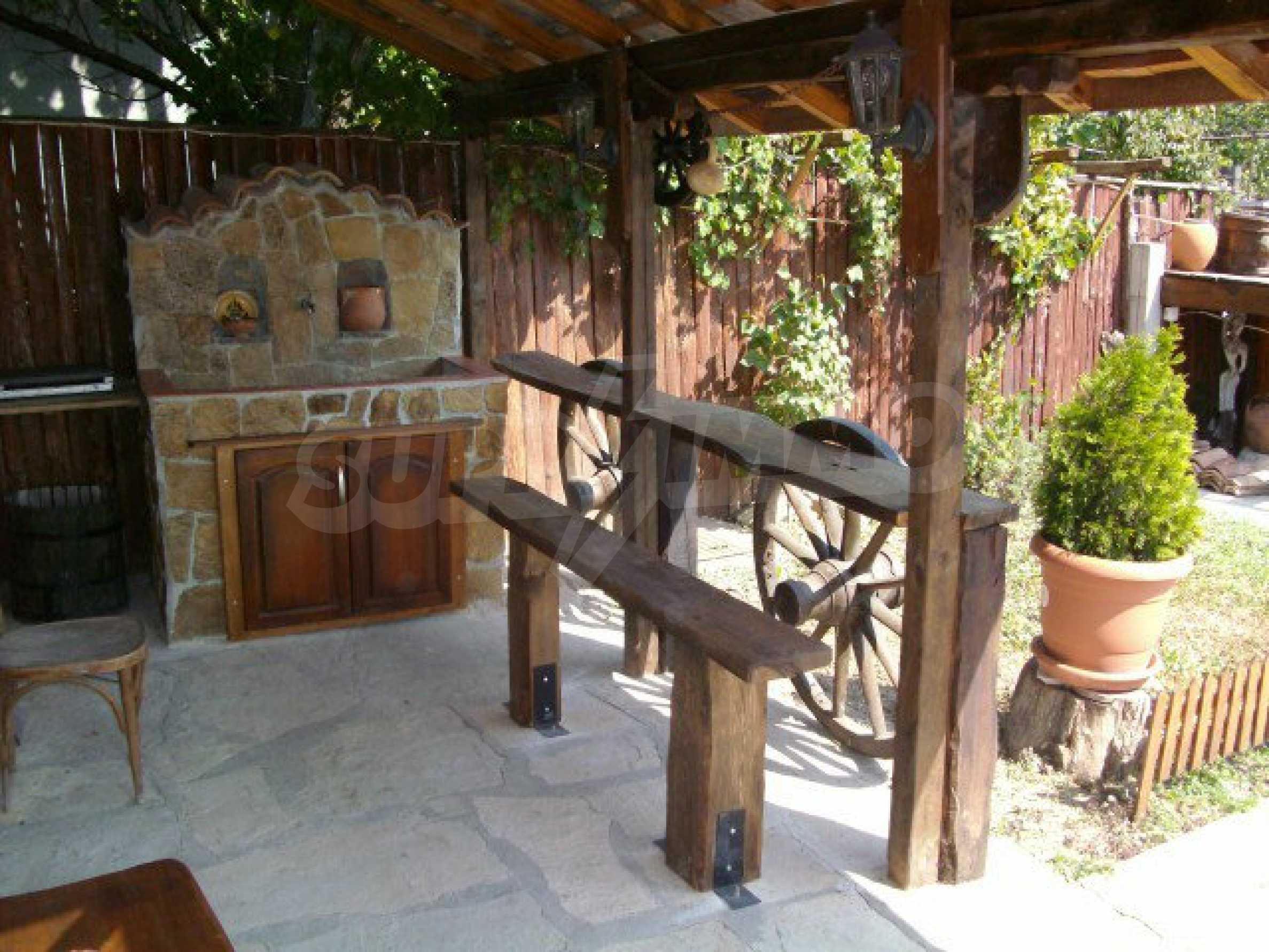 Vollständig möbliertes Anwesen im erhaltenen traditionellen bulgarischen Stil 17
