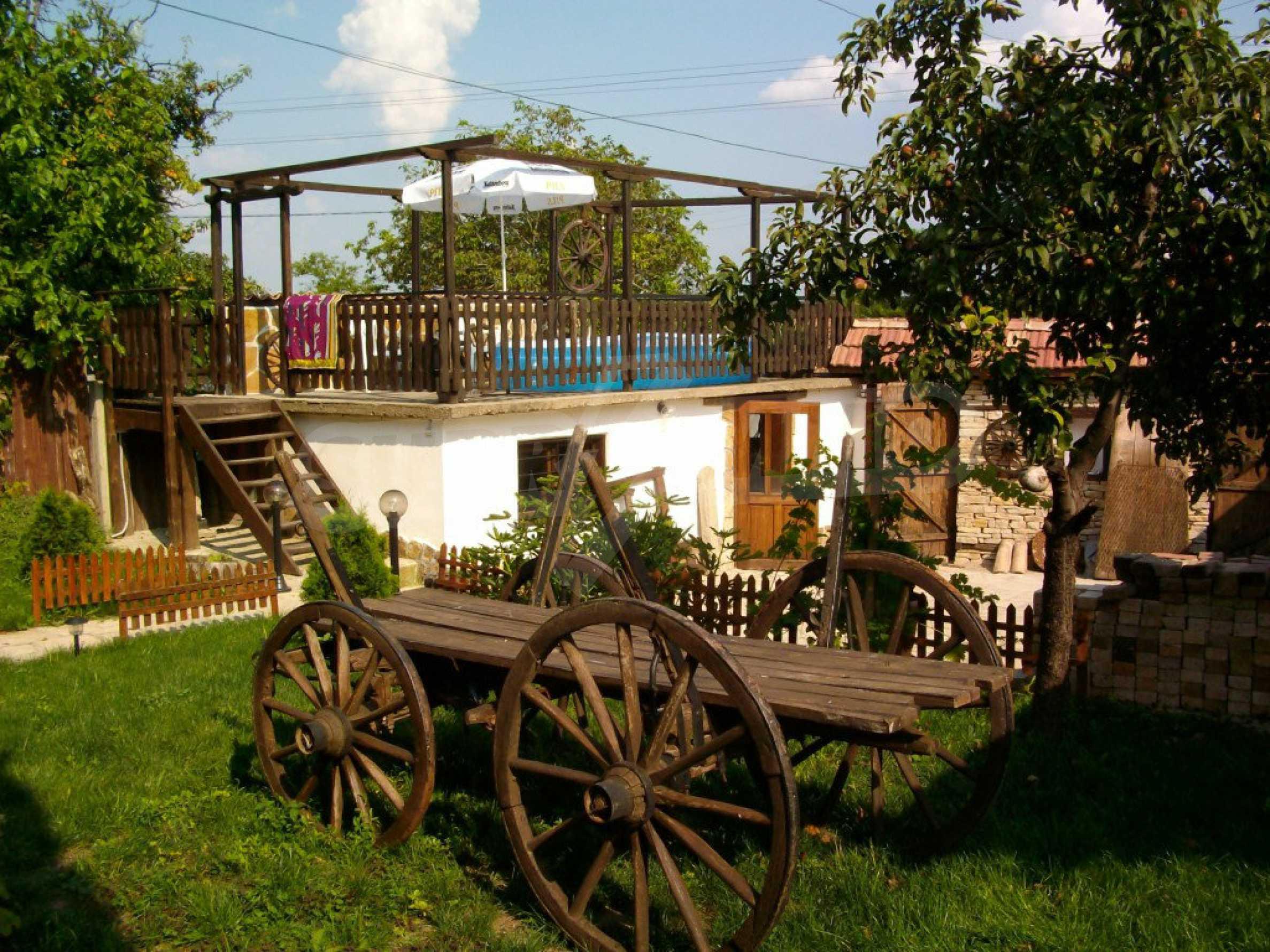 Vollständig möbliertes Anwesen im erhaltenen traditionellen bulgarischen Stil 19