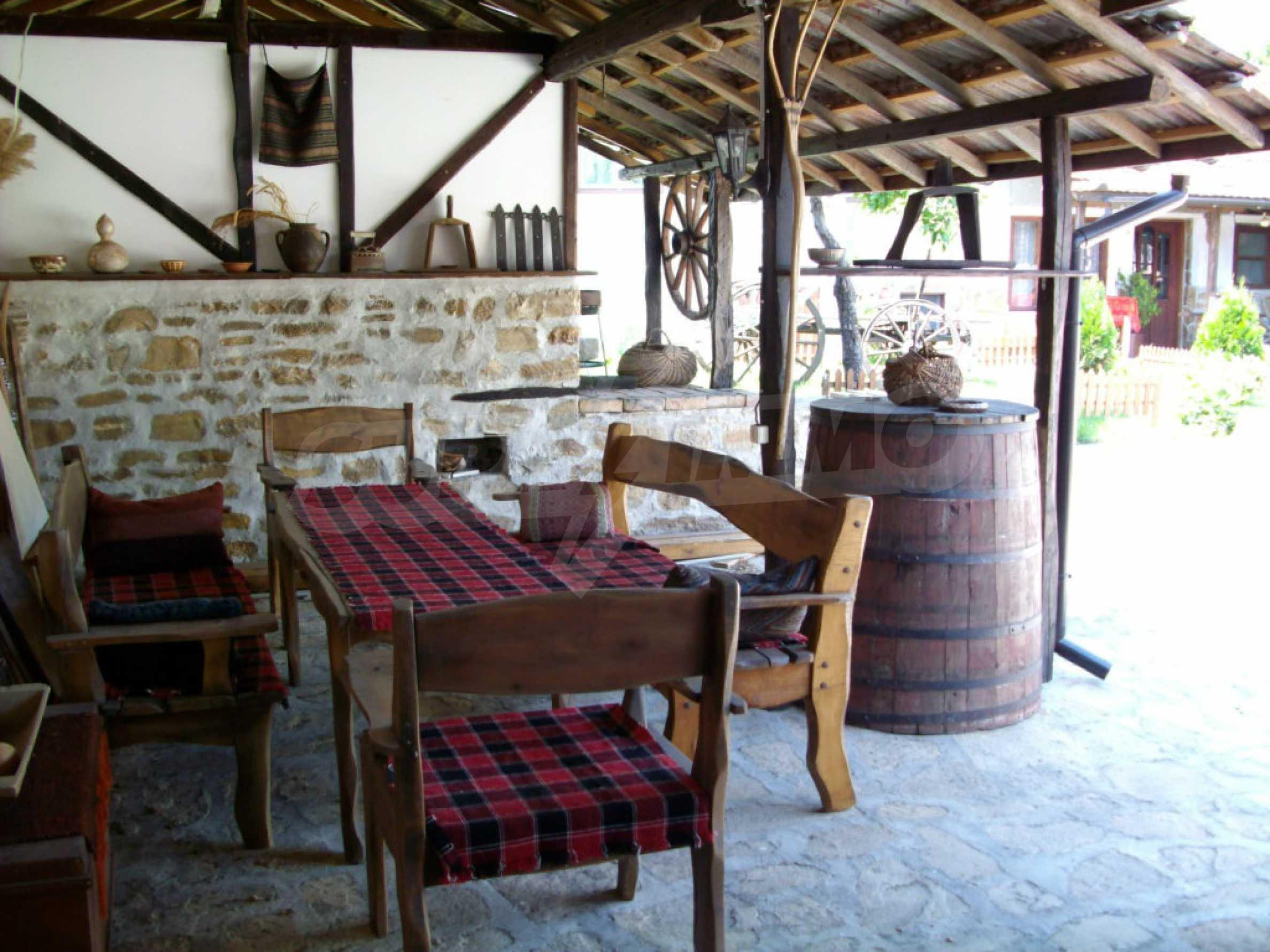 Vollständig möbliertes Anwesen im erhaltenen traditionellen bulgarischen Stil 20