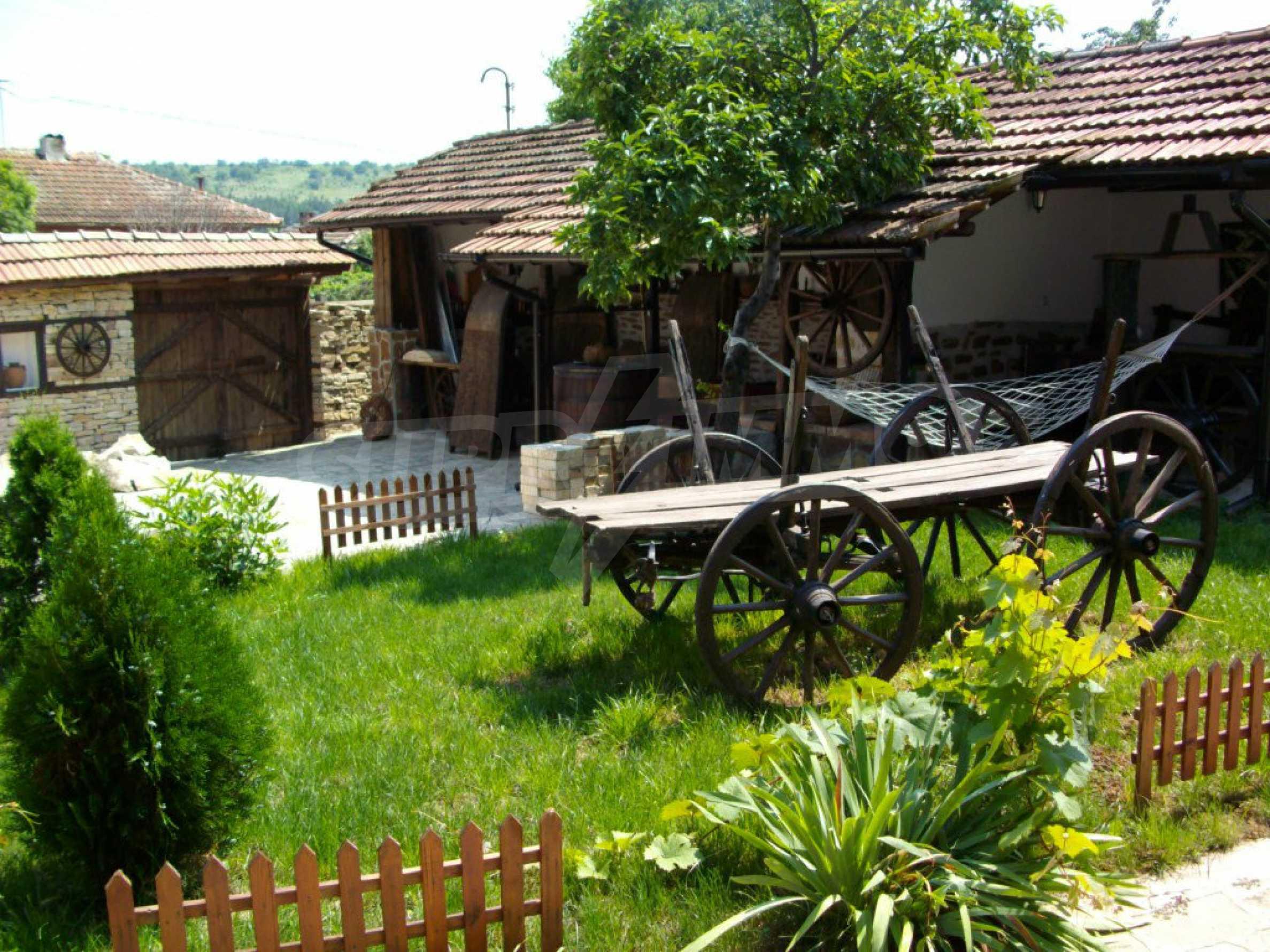 Vollständig möbliertes Anwesen im erhaltenen traditionellen bulgarischen Stil 21