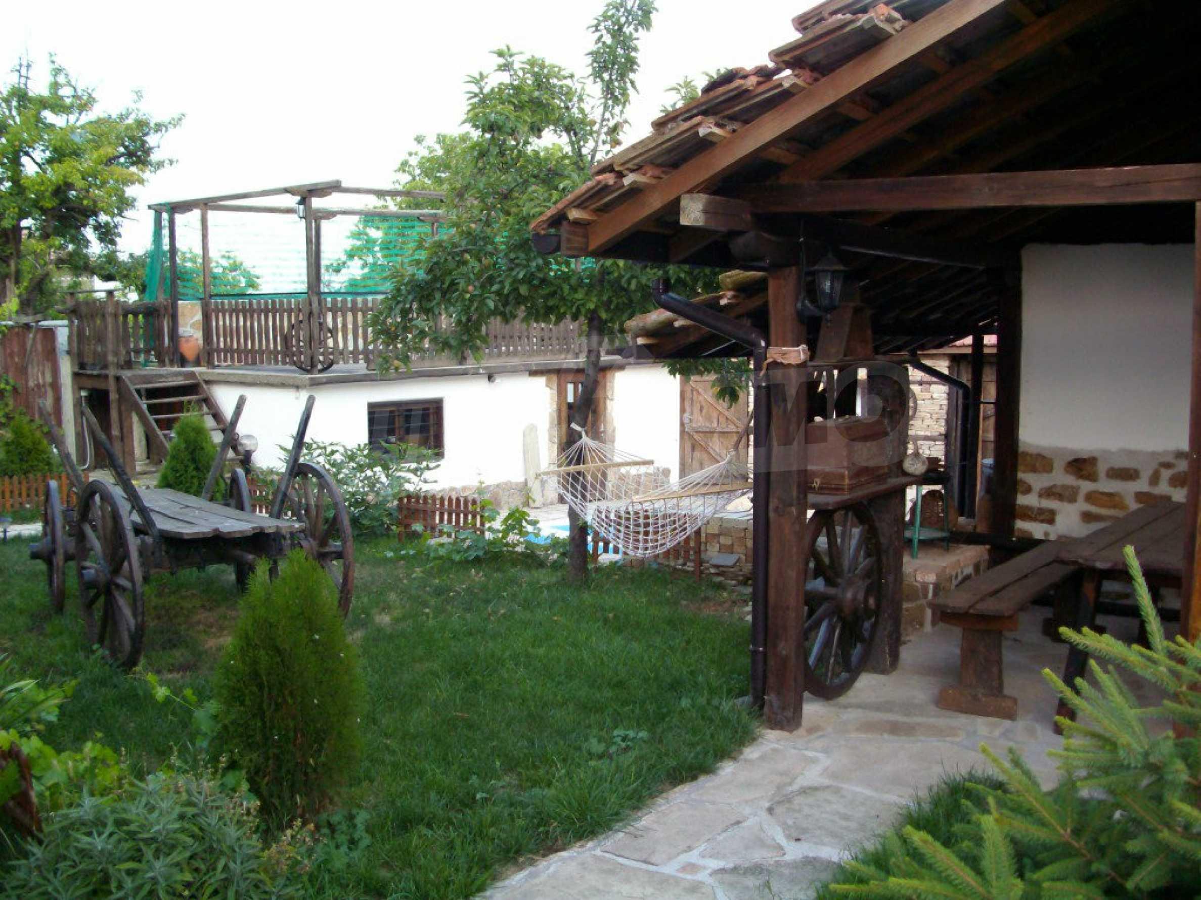 Vollständig möbliertes Anwesen im erhaltenen traditionellen bulgarischen Stil 22