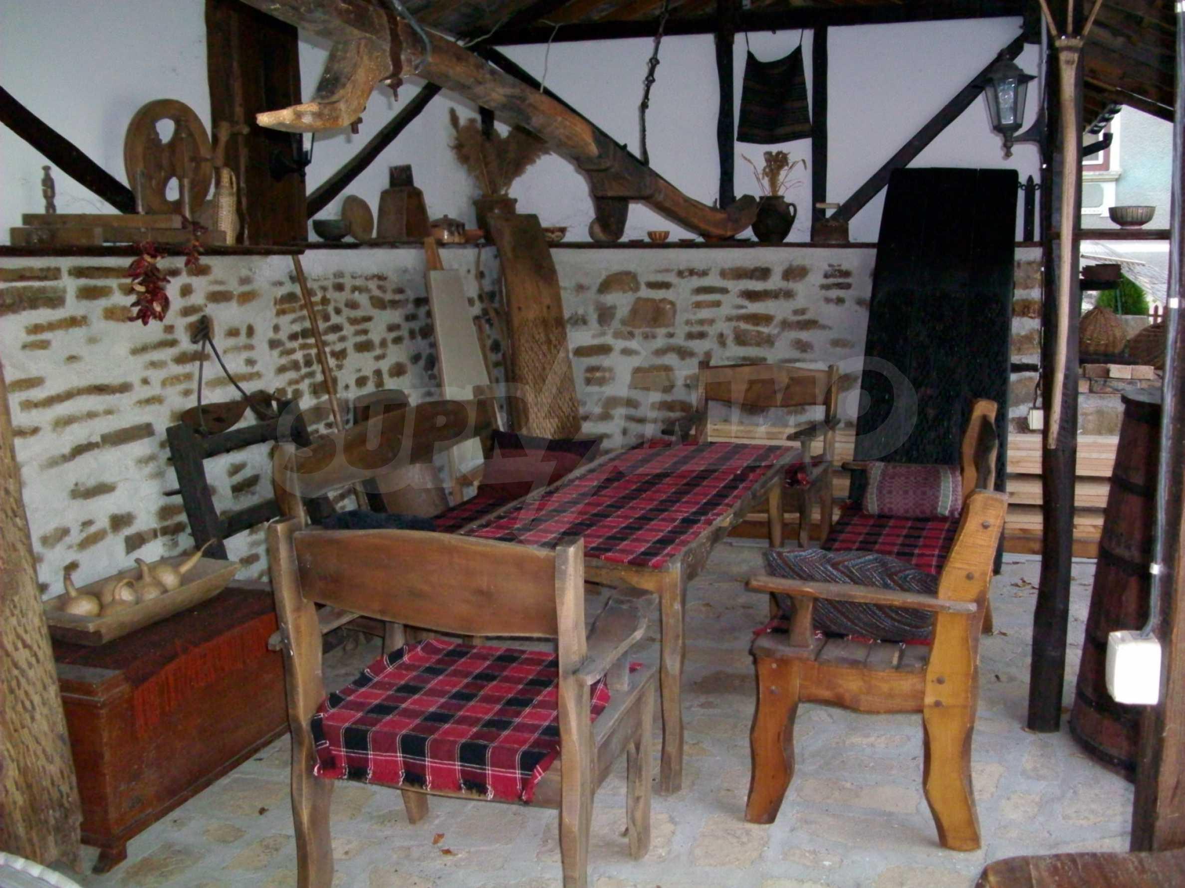 Vollständig möbliertes Anwesen im erhaltenen traditionellen bulgarischen Stil 23