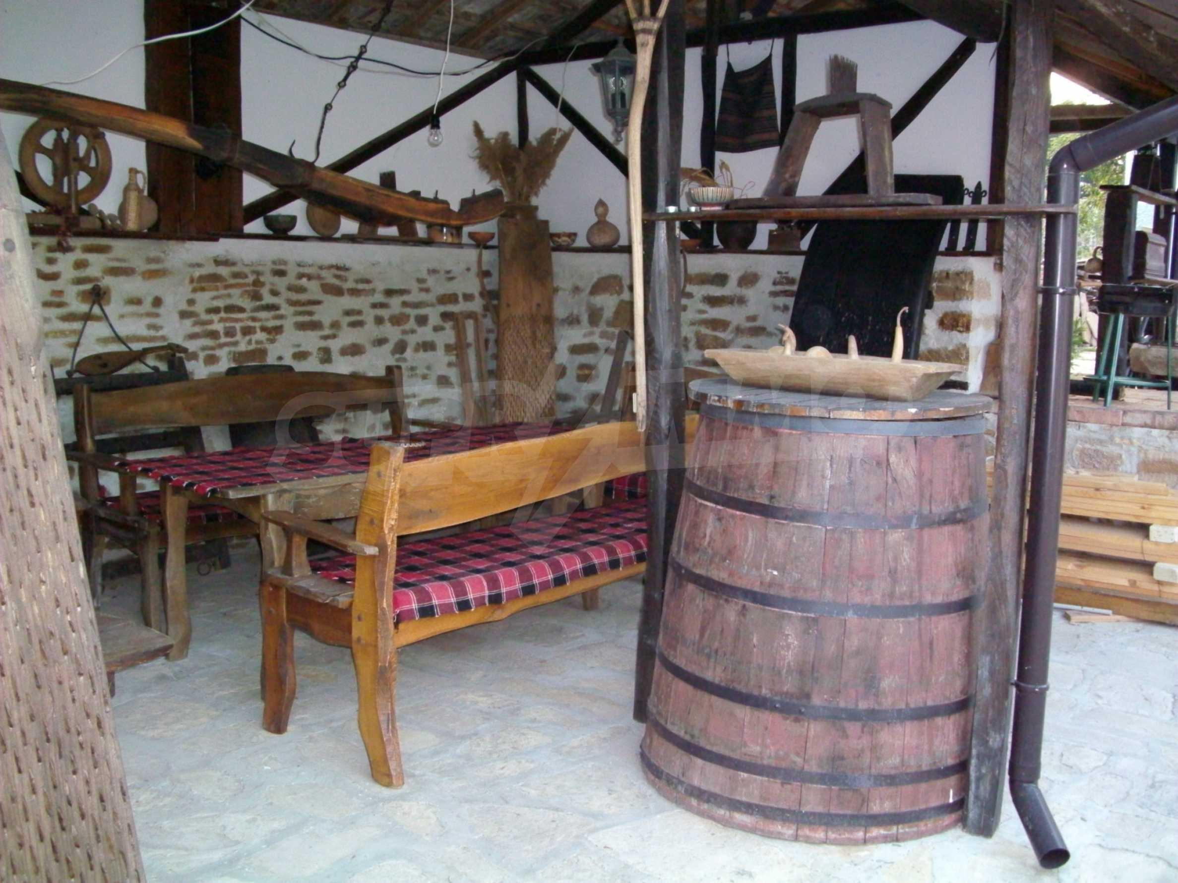 Vollständig möbliertes Anwesen im erhaltenen traditionellen bulgarischen Stil 24