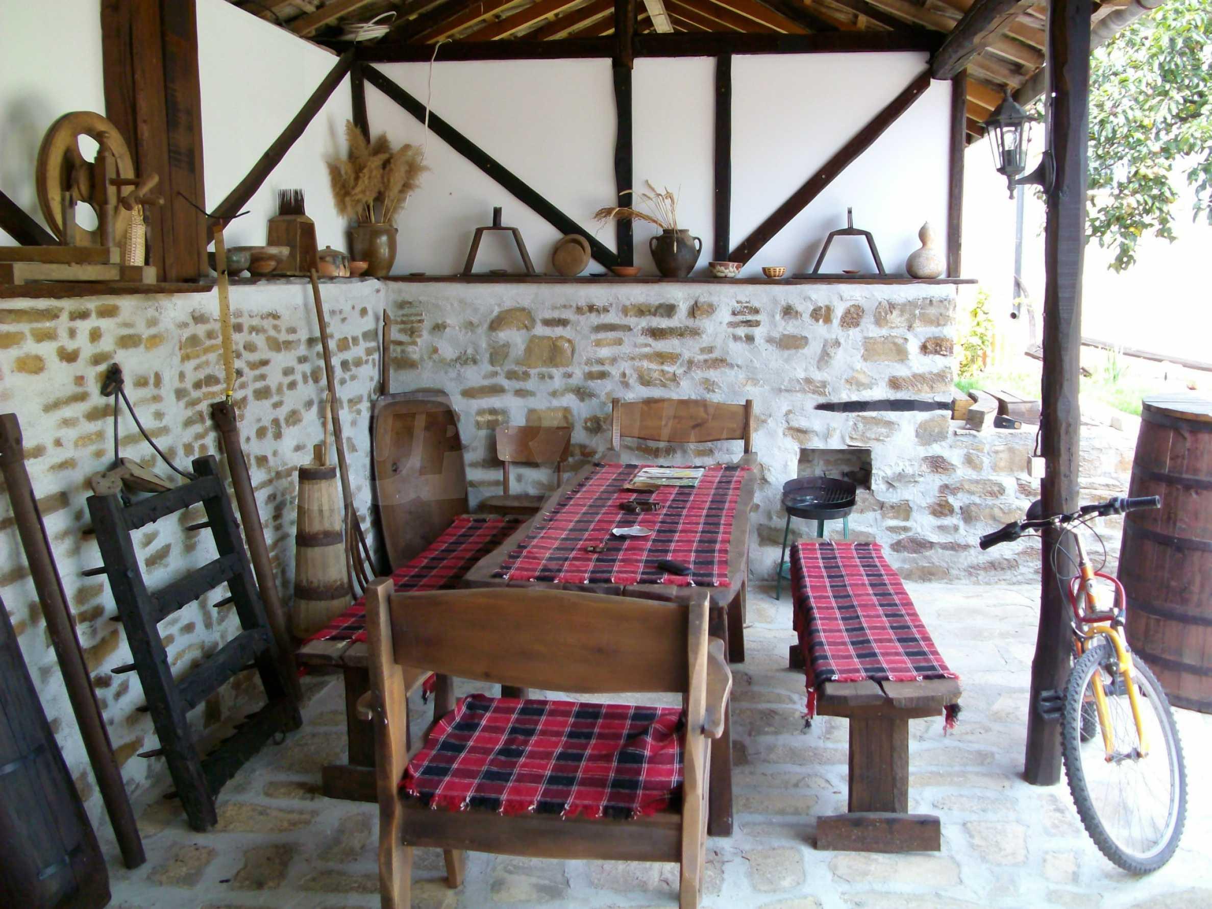 Vollständig möbliertes Anwesen im erhaltenen traditionellen bulgarischen Stil 26