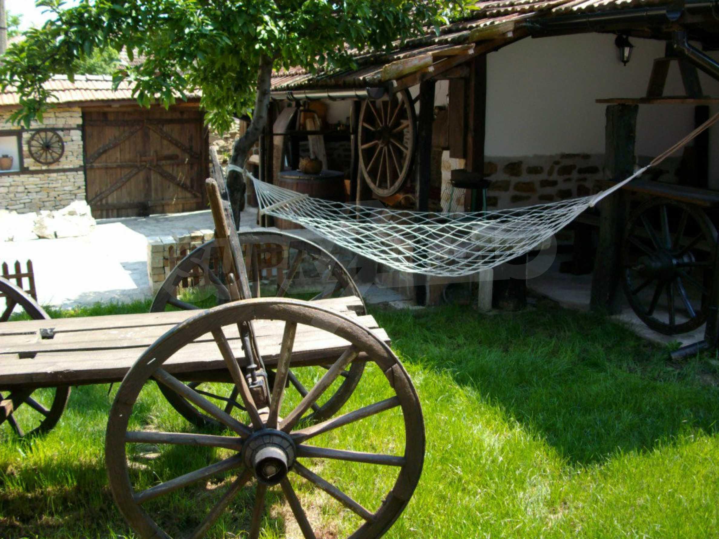 Vollständig möbliertes Anwesen im erhaltenen traditionellen bulgarischen Stil 28