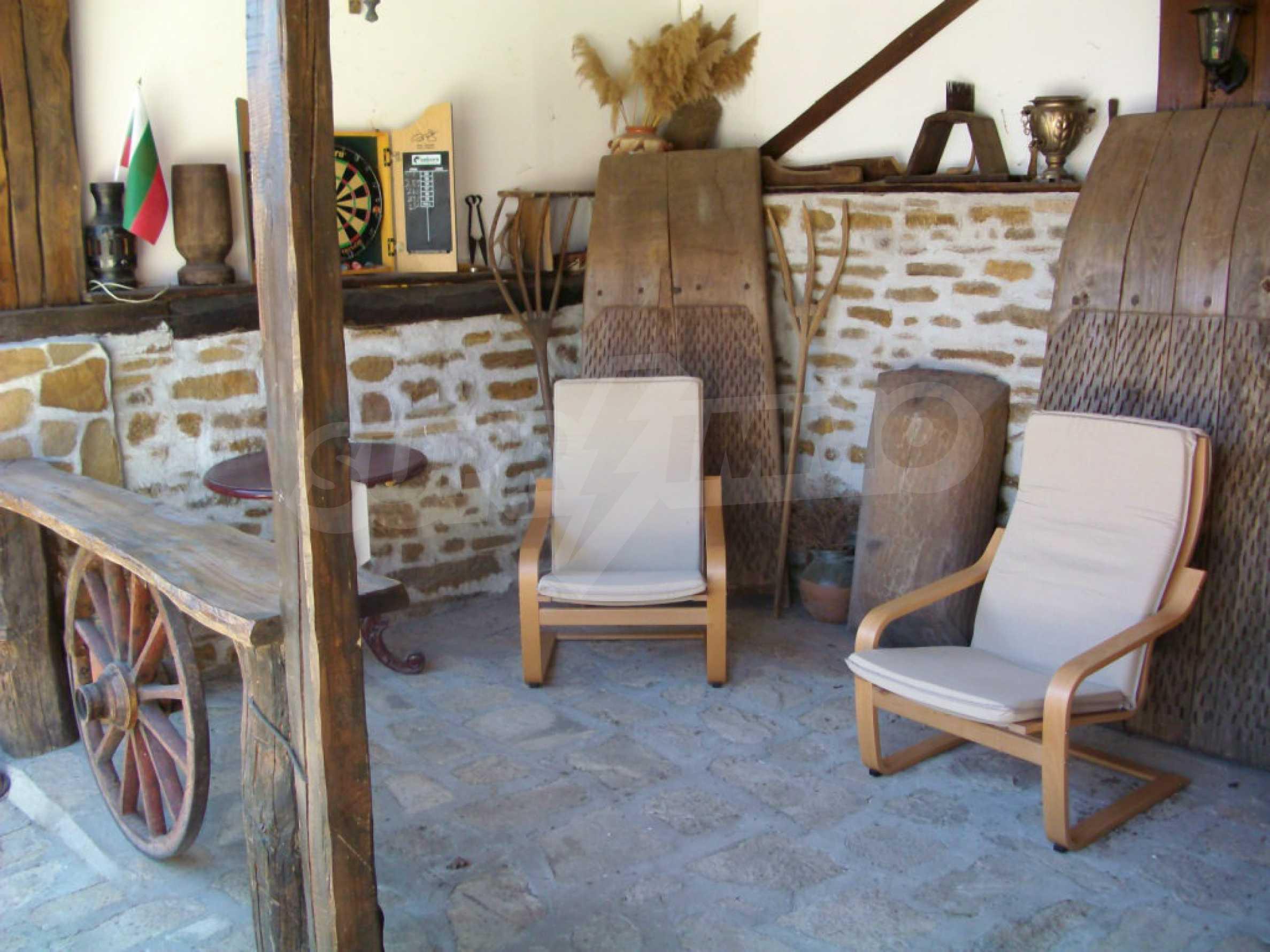 Vollständig möbliertes Anwesen im erhaltenen traditionellen bulgarischen Stil 30