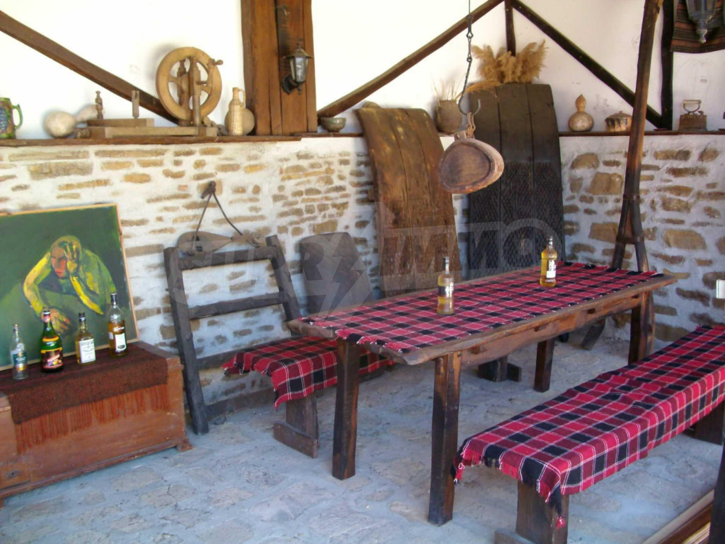 Vollständig möbliertes Anwesen im erhaltenen traditionellen bulgarischen Stil 31