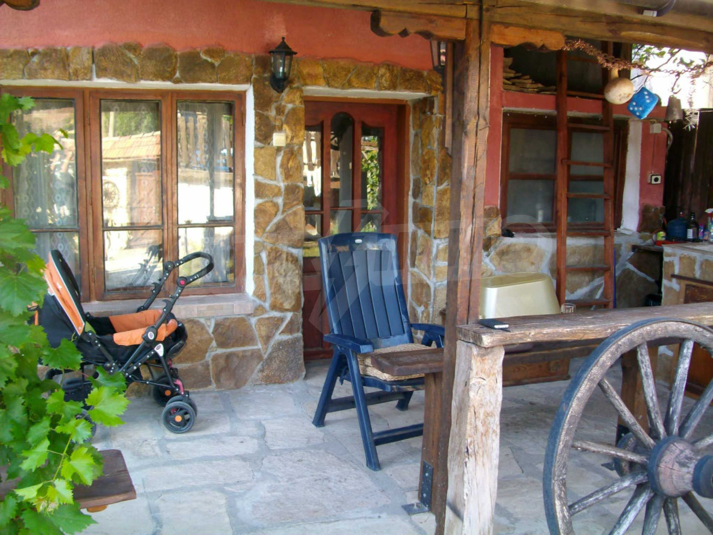 Vollständig möbliertes Anwesen im erhaltenen traditionellen bulgarischen Stil 32