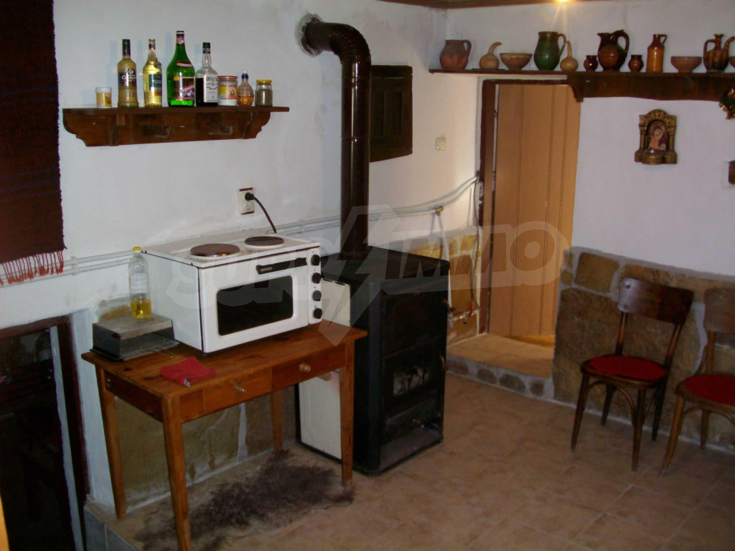 Vollständig möbliertes Anwesen im erhaltenen traditionellen bulgarischen Stil 33