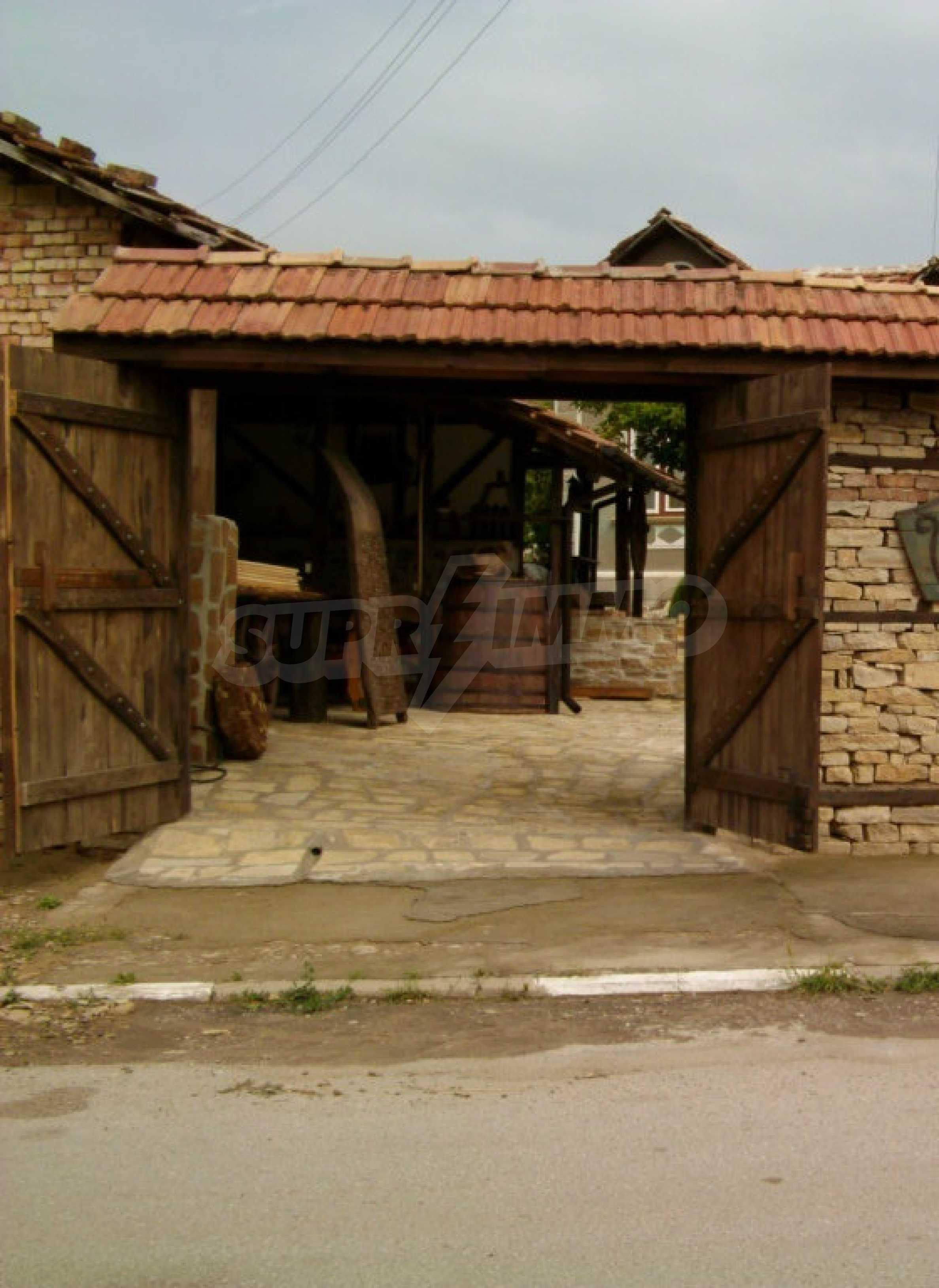 Vollständig möbliertes Anwesen im erhaltenen traditionellen bulgarischen Stil 43