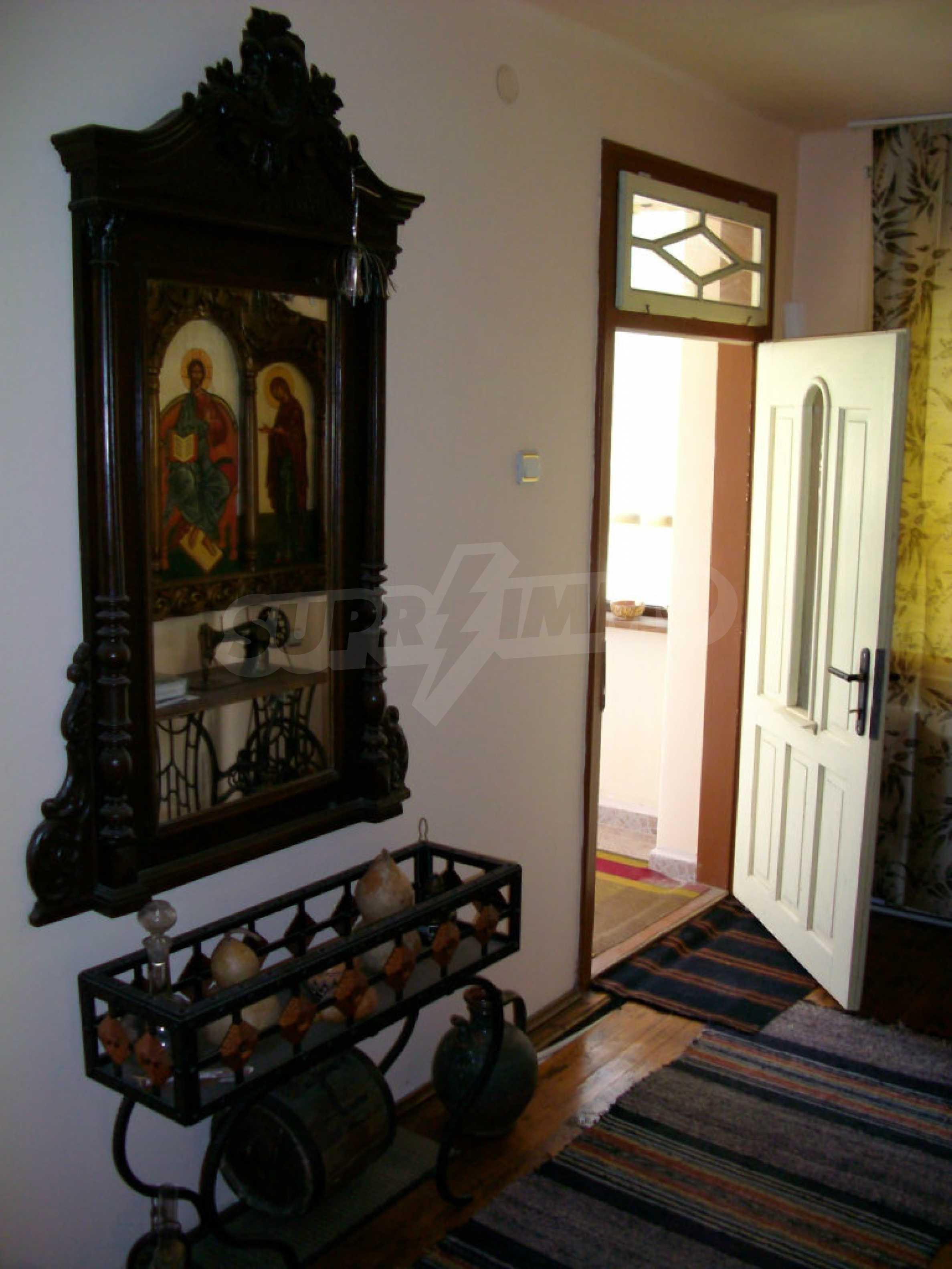Vollständig möbliertes Anwesen im erhaltenen traditionellen bulgarischen Stil 7