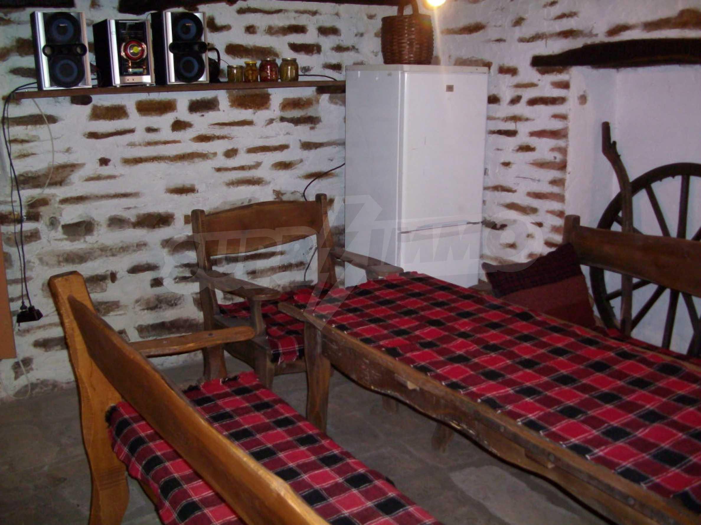 Vollständig möbliertes Anwesen im erhaltenen traditionellen bulgarischen Stil 8