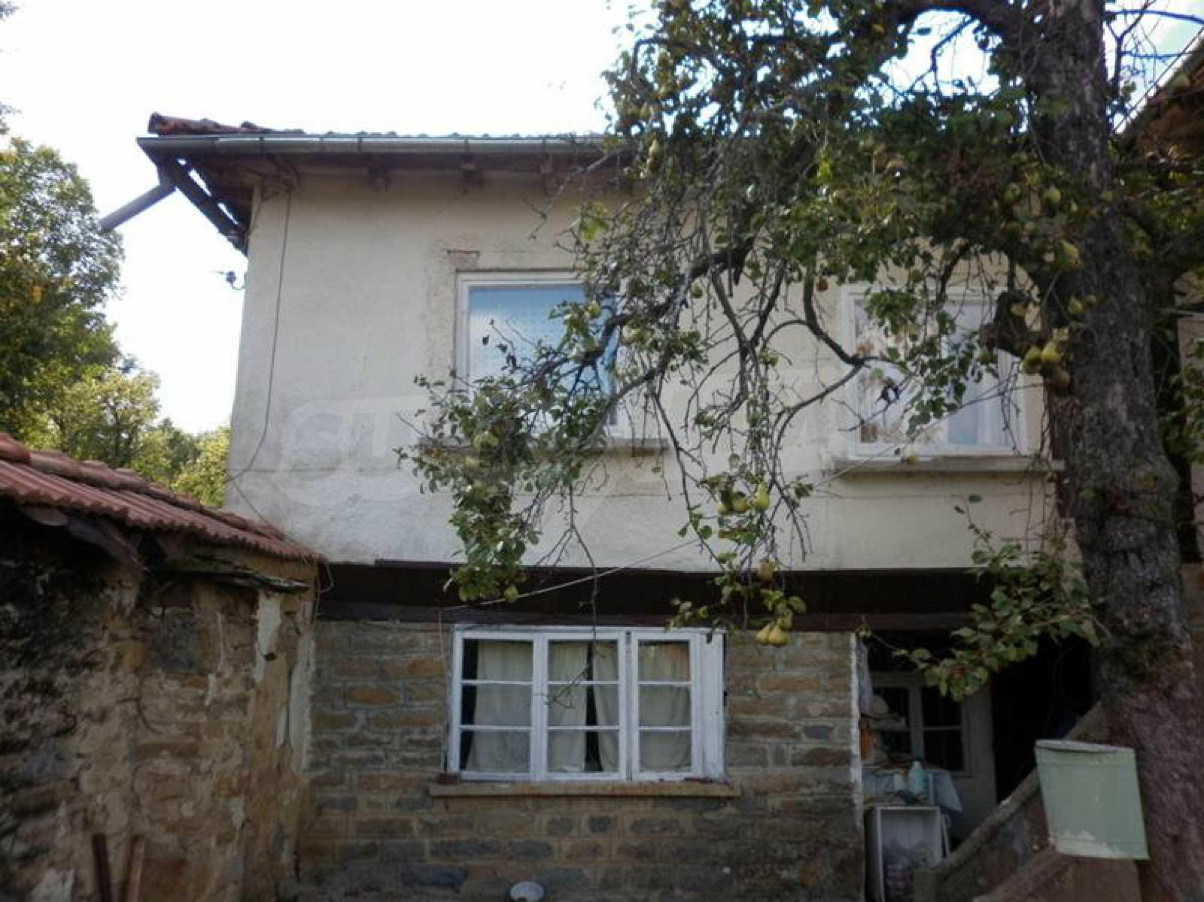 Berghaus mit Garage in einem Dorf 11 km von Gabrovo entfernt 2