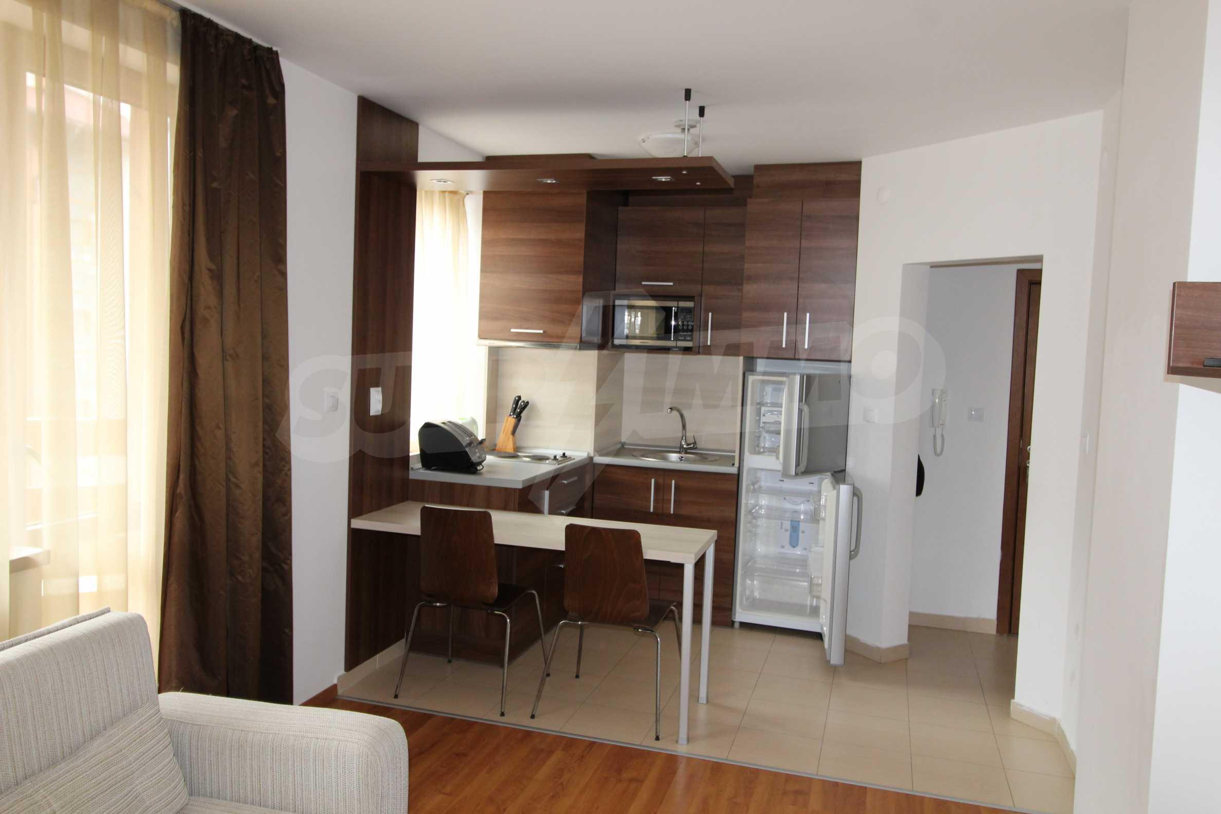 Двустаен апартамент с модерно обзавеждане в Банско 2