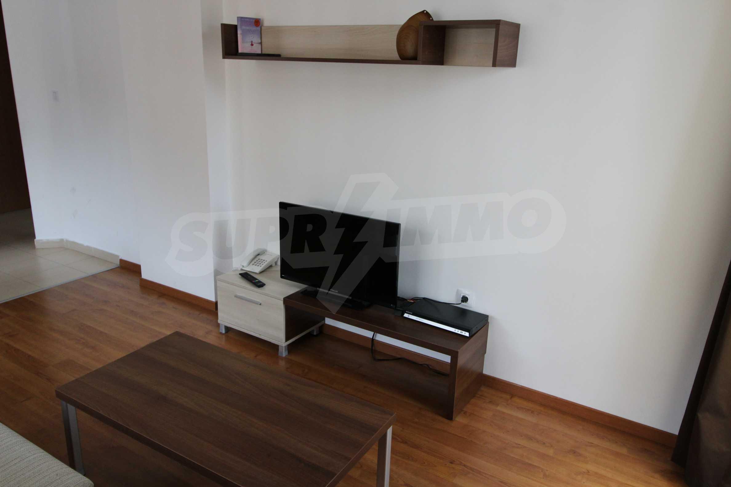 Двустаен апартамент с модерно обзавеждане в Банско 3