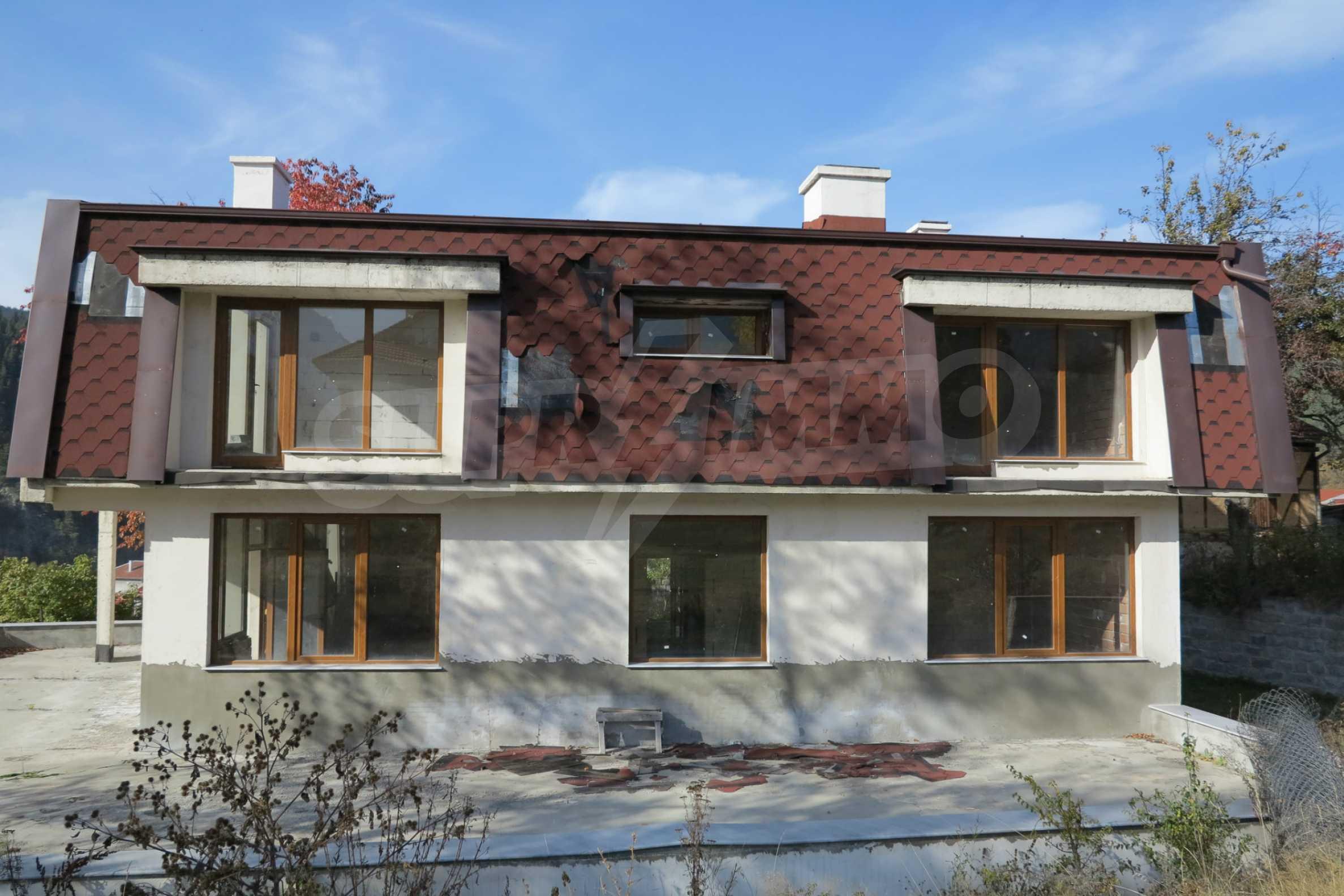 Großes Haus mit Restaurant in der Nähe des Skigebiets Borovets 2