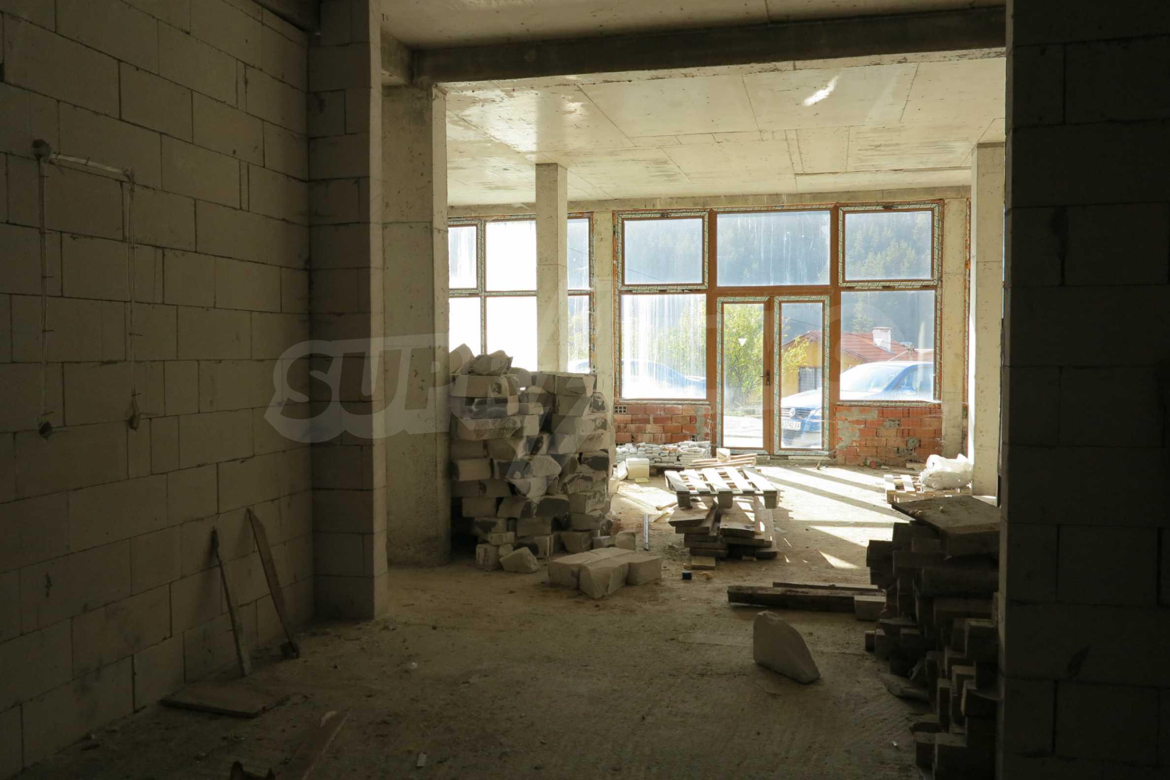 Großes Haus mit Restaurant in der Nähe des Skigebiets Borovets 45