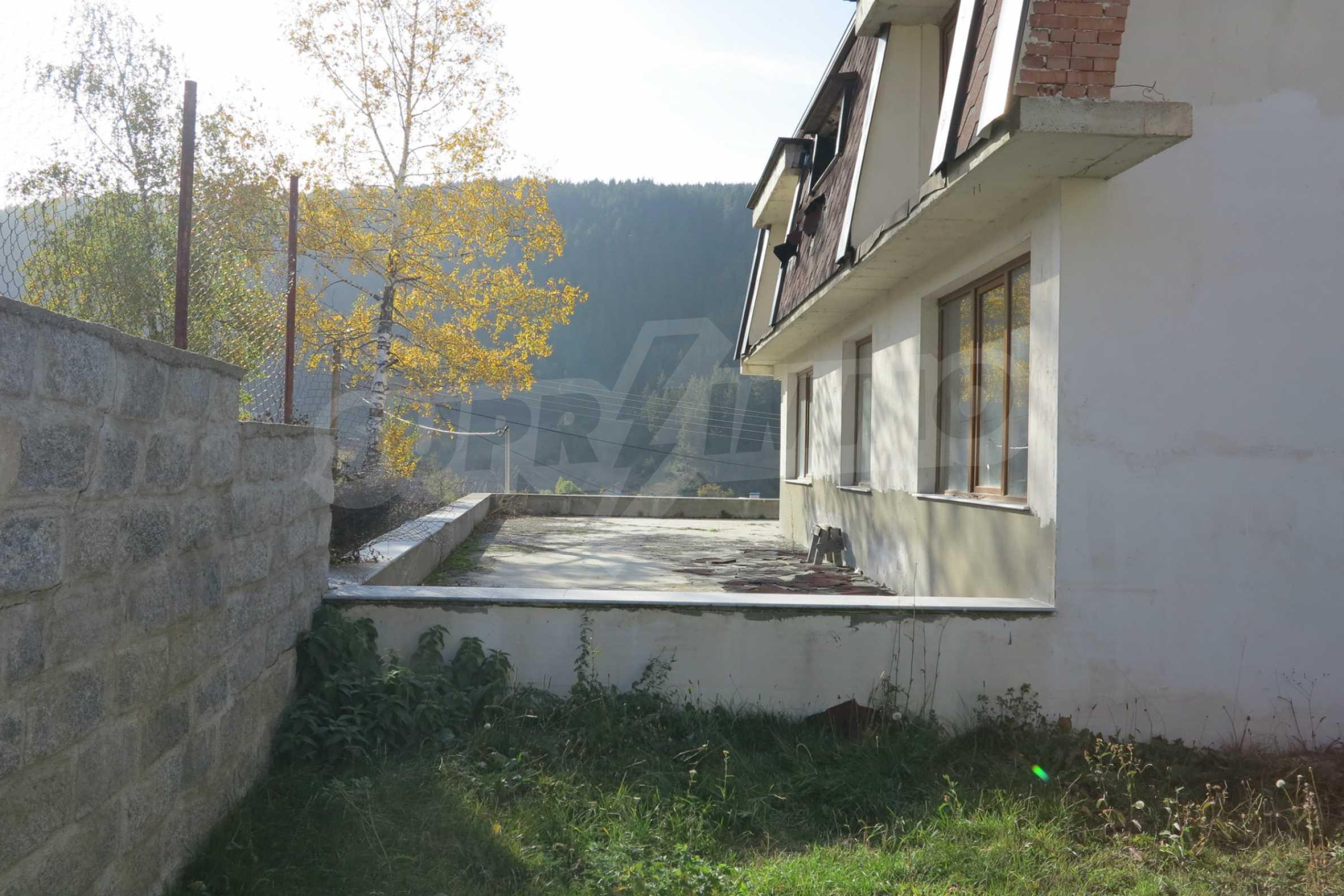 Großes Haus mit Restaurant in der Nähe des Skigebiets Borovets 54