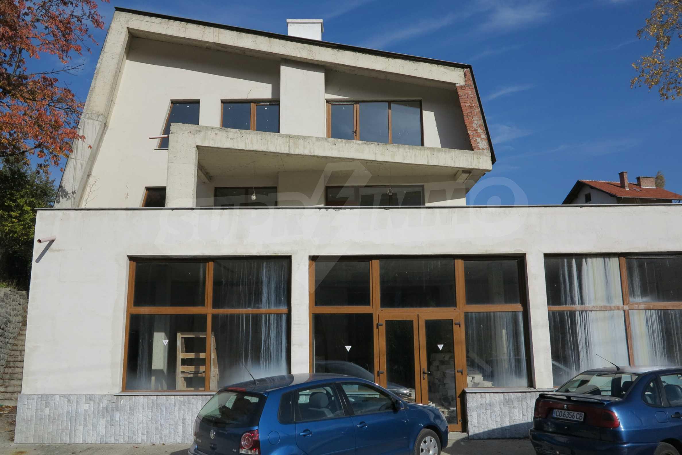 Großes Haus mit Restaurant in der Nähe des Skigebiets Borovets 58