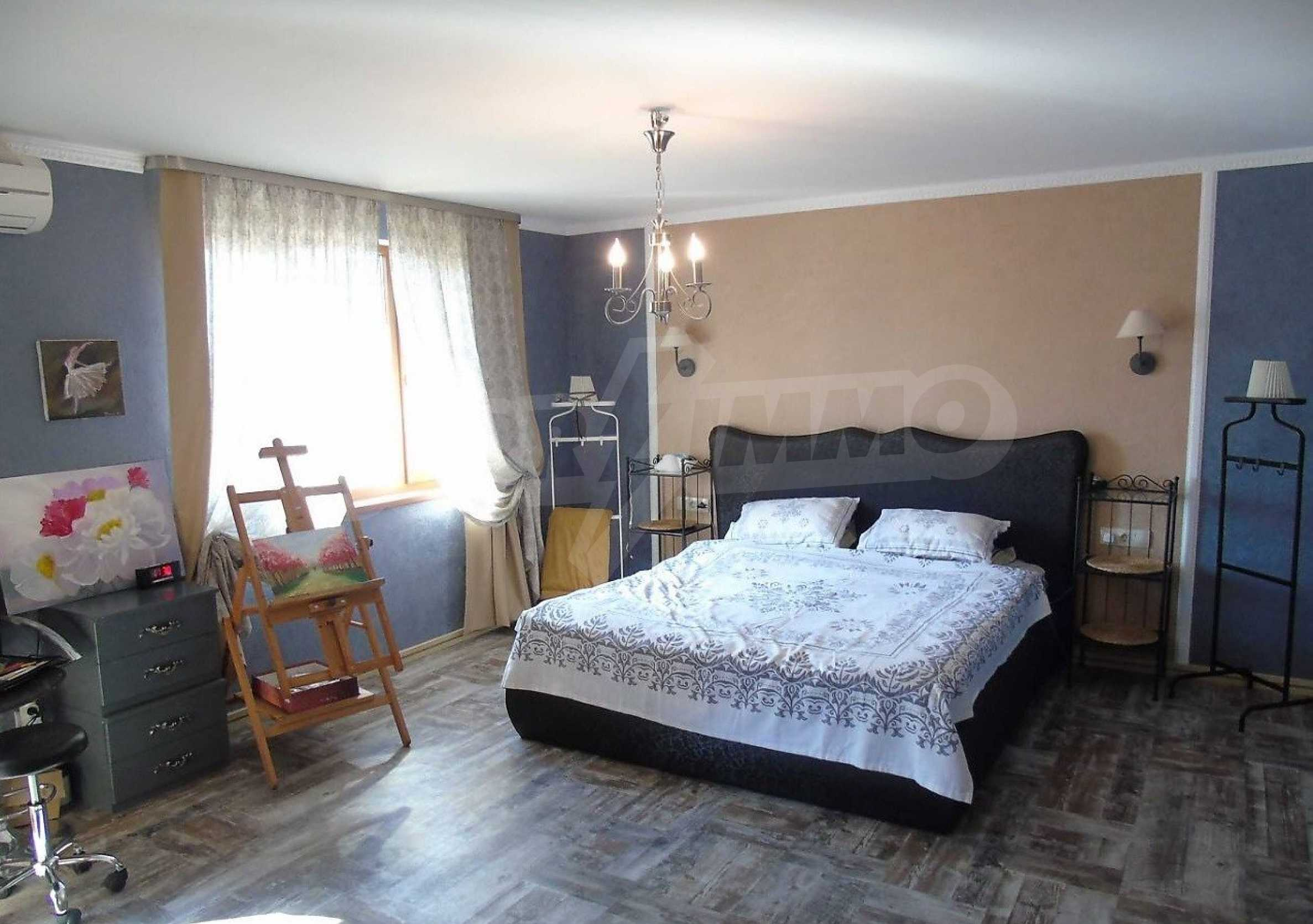 Three-storey house with a large yard, minutes from the beach, Sarafovo 3
