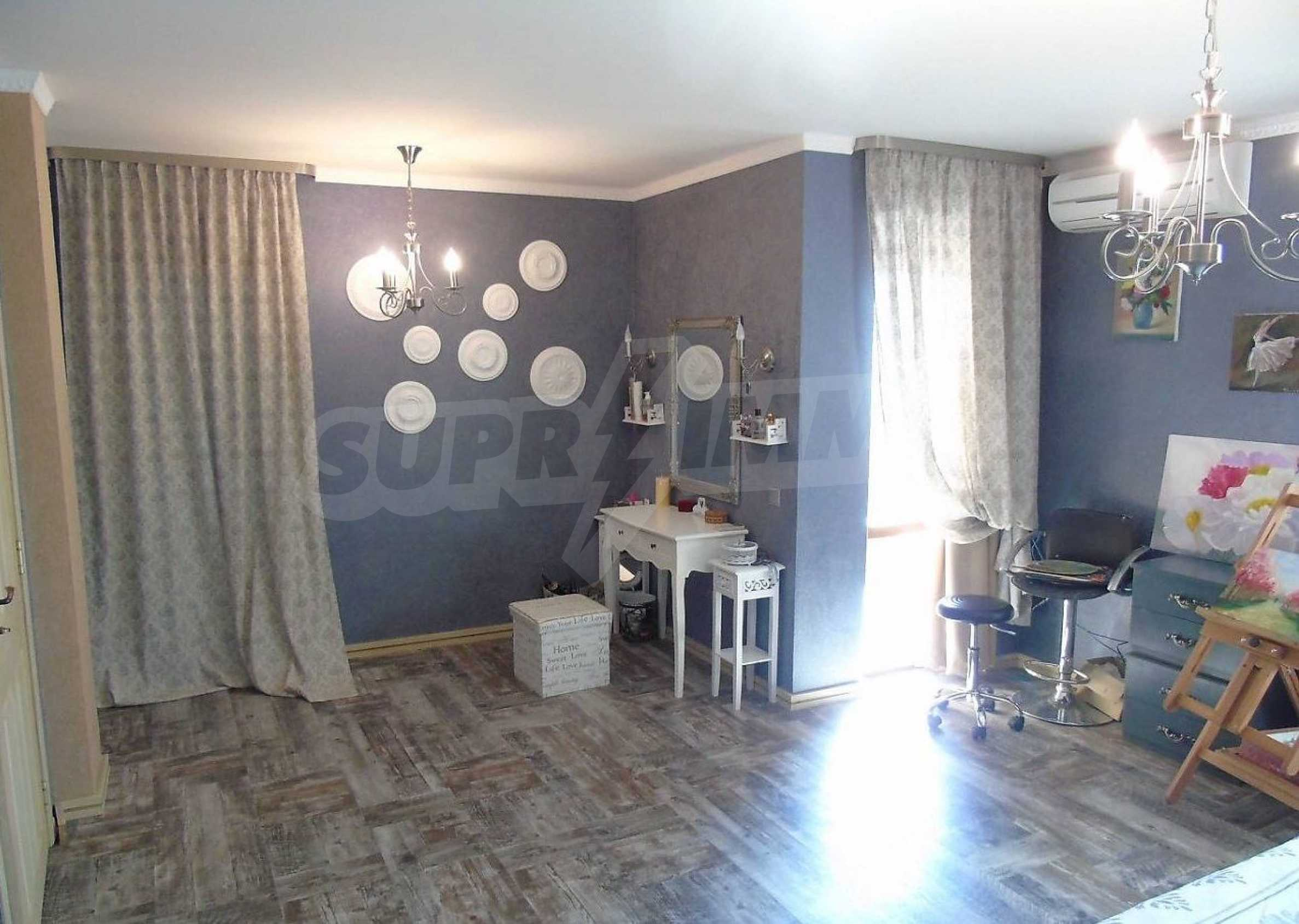 Three-storey house with a large yard, minutes from the beach, Sarafovo 5