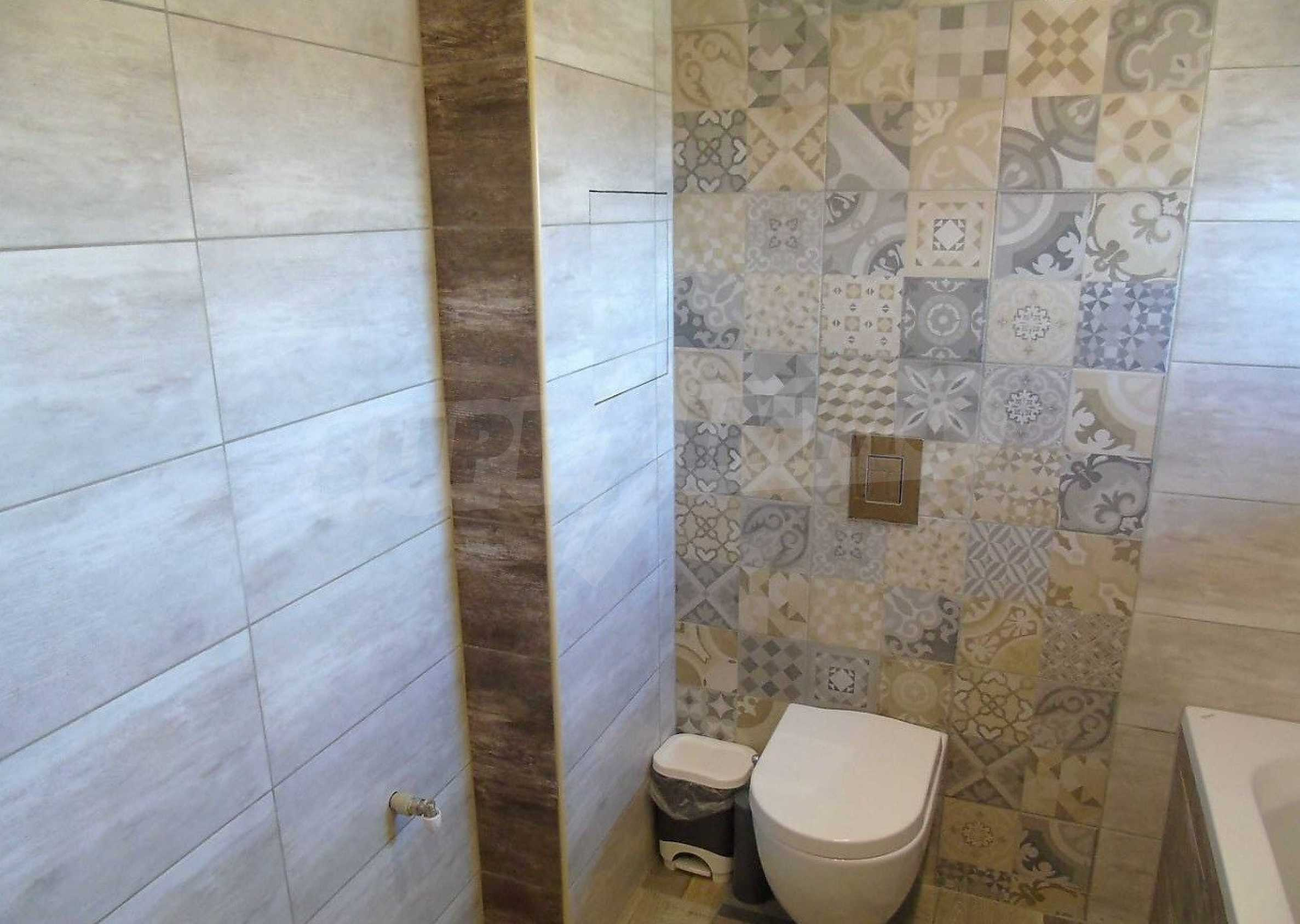 Three-storey house with a large yard, minutes from the beach, Sarafovo 8