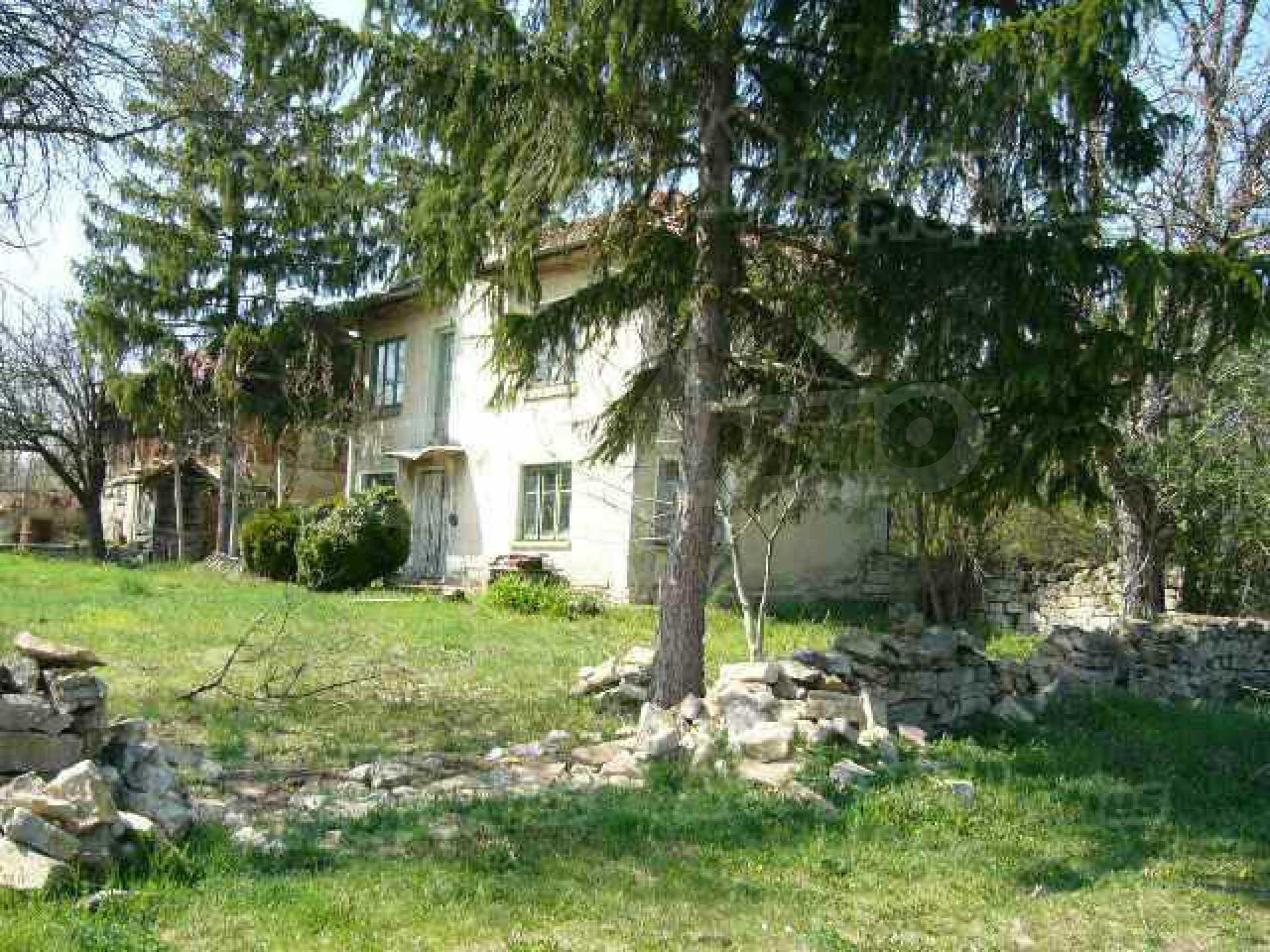 Haus zur Renovierung in der Gegend von Sevlievo und Lovech 2