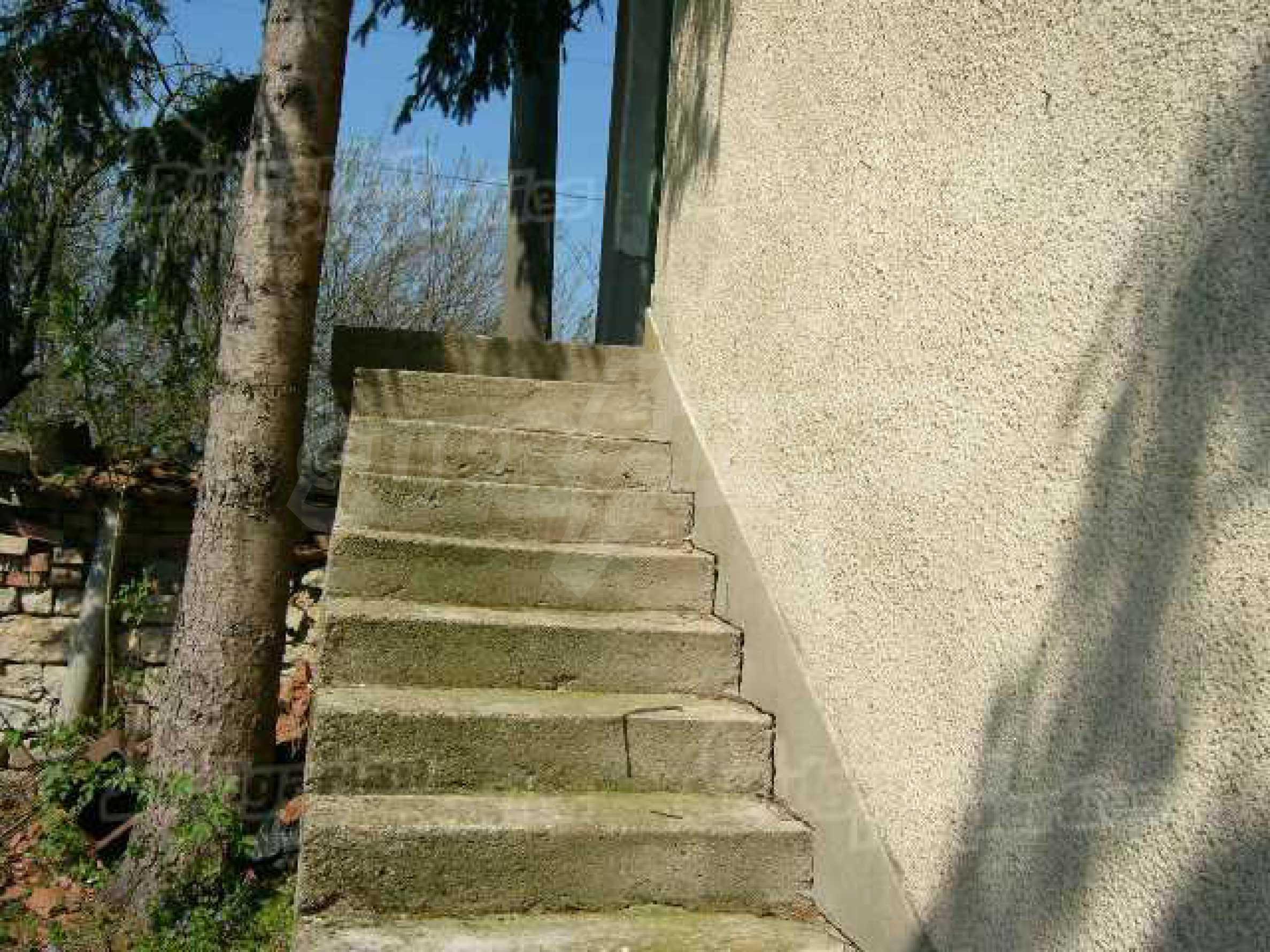 Haus zur Renovierung in der Gegend von Sevlievo und Lovech 7