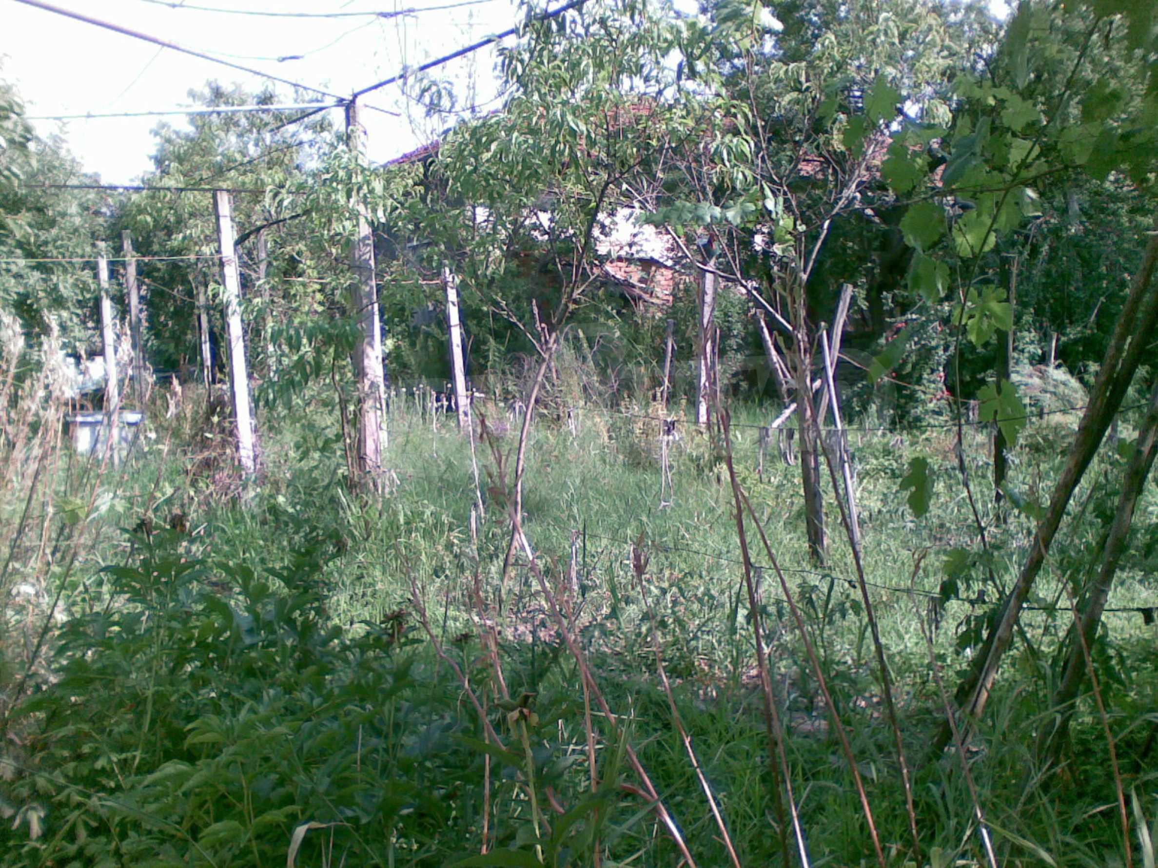 Zweistöckiges Backsteinhaus in der Stadt, 35 km von Lovech entfernt, in der Nähe eines Damms 5