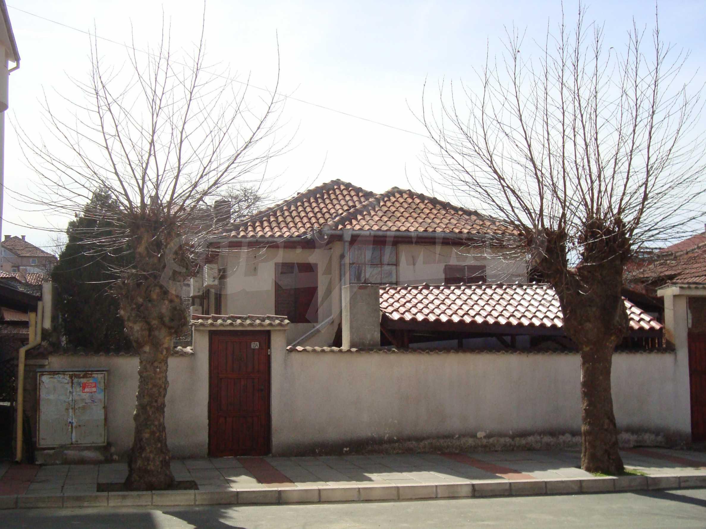 Haus zum Verkauf im Zentrum von Lozenets