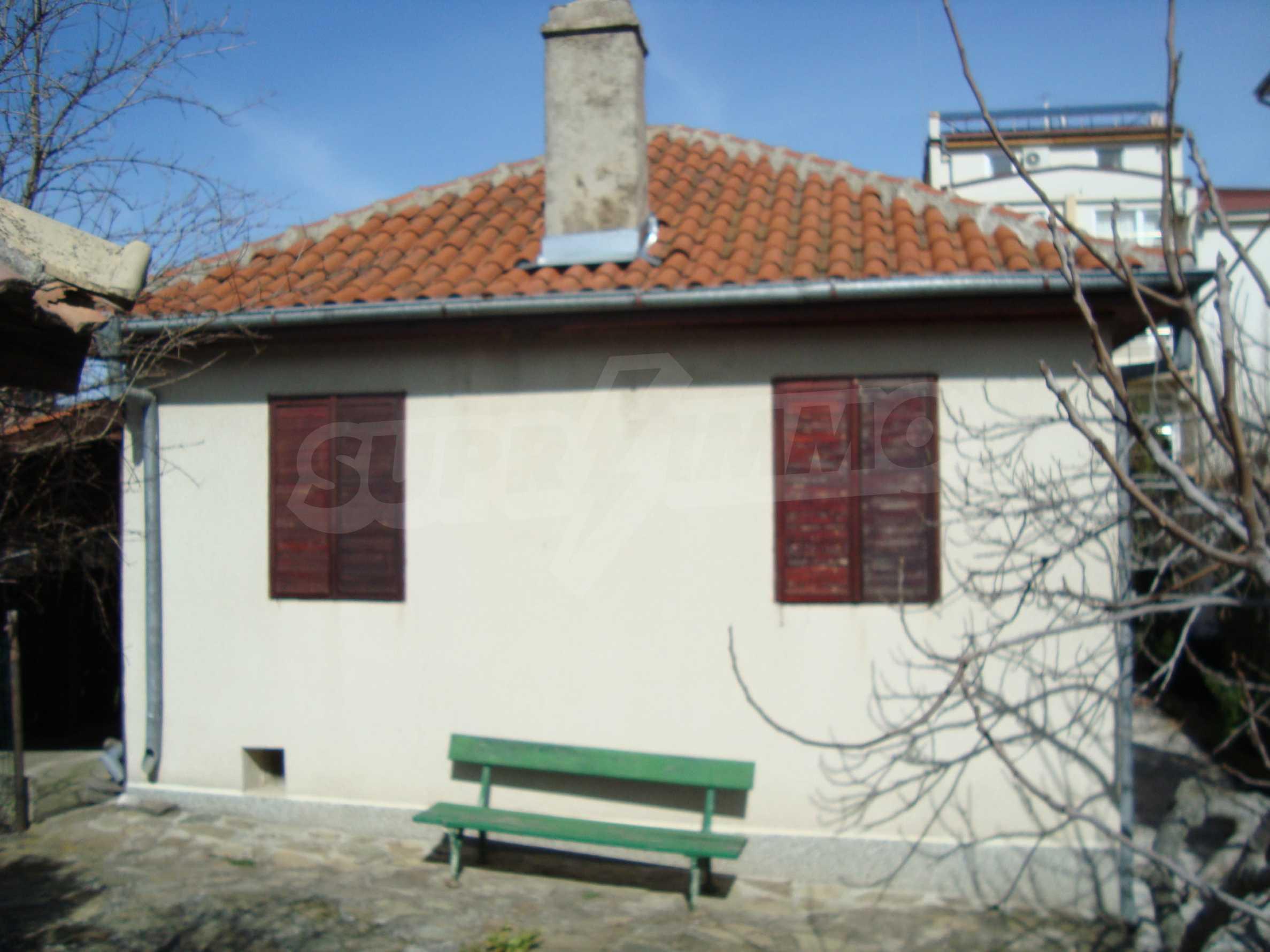 Haus zum Verkauf im Zentrum von Lozenets 10