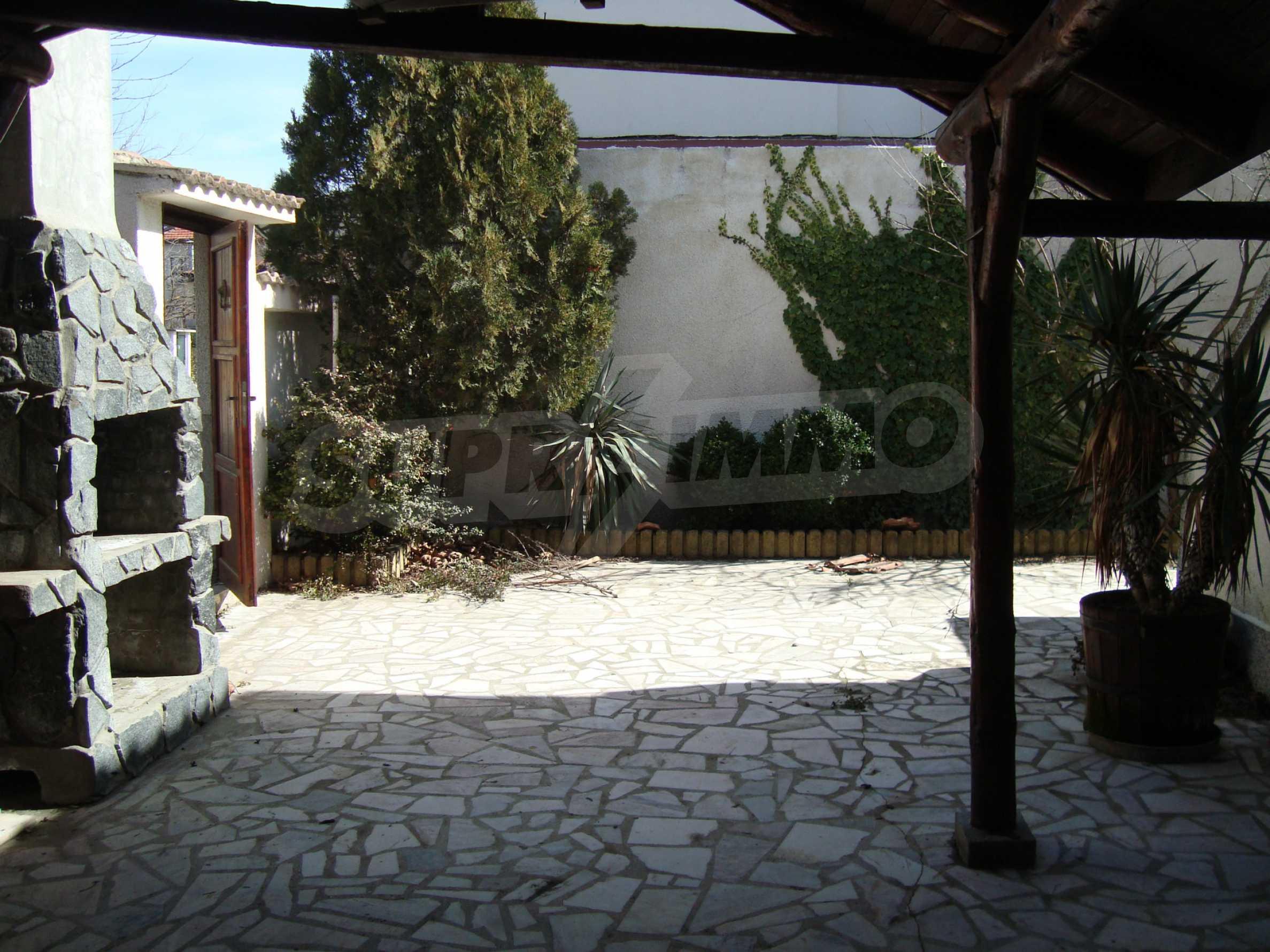 Haus zum Verkauf im Zentrum von Lozenets 12