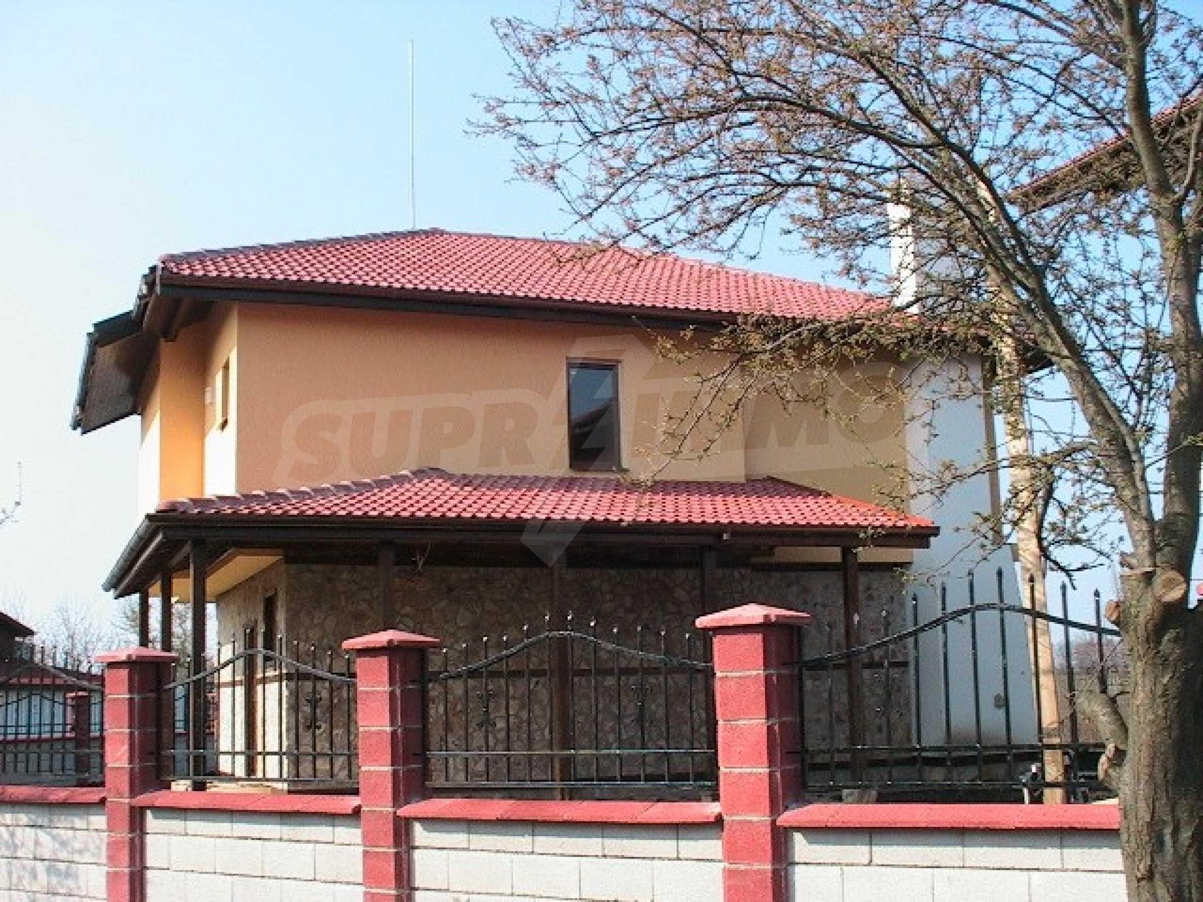 Neues zweistöckiges Haus 5 km von Baltschik entfernt 1