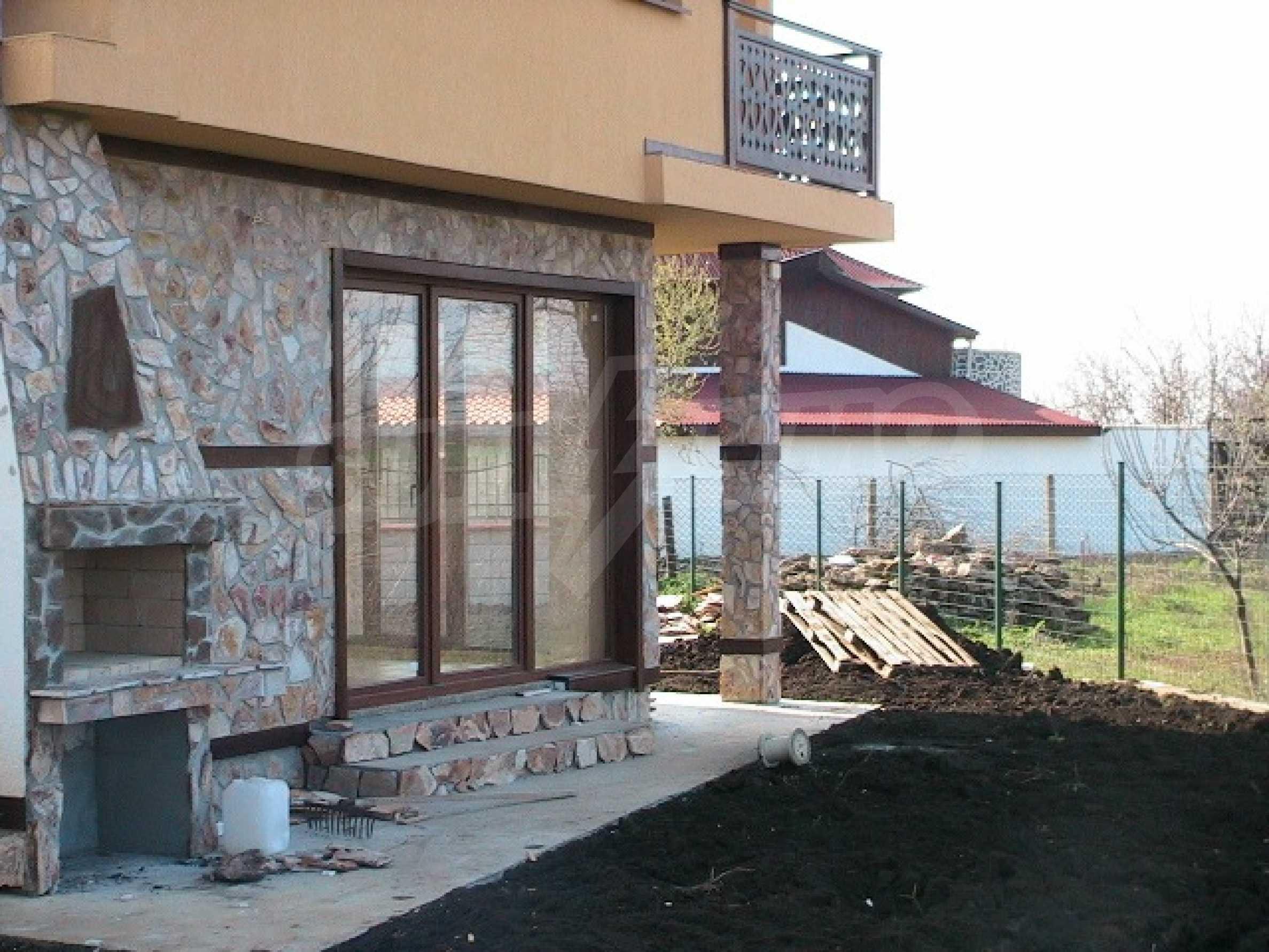 Neues zweistöckiges Haus 5 km von Baltschik entfernt 3