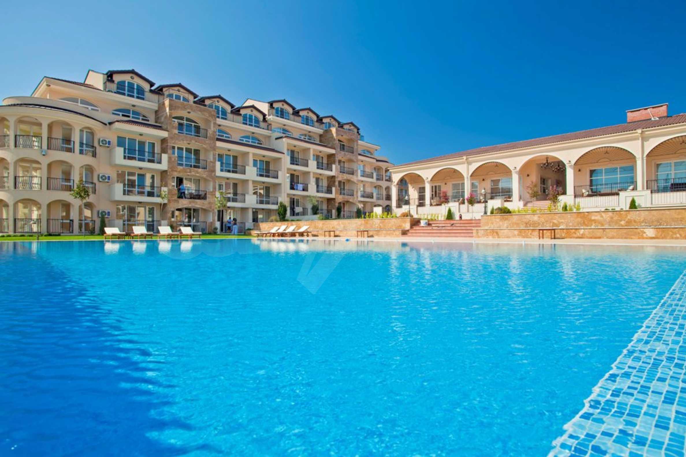 New apartment complex Atia resort in Chernomorets 2