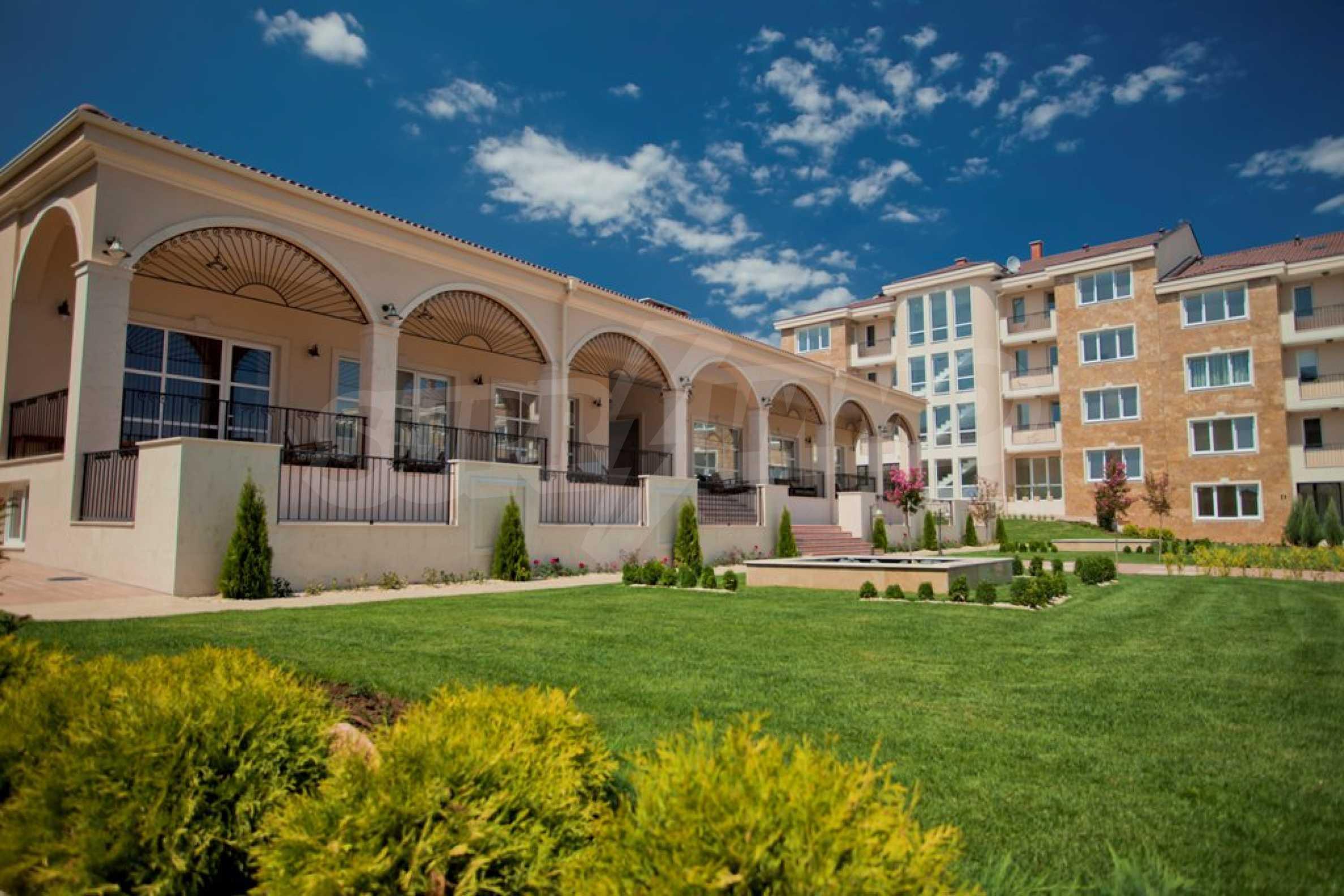 New apartment complex Atia resort in Chernomorets 13