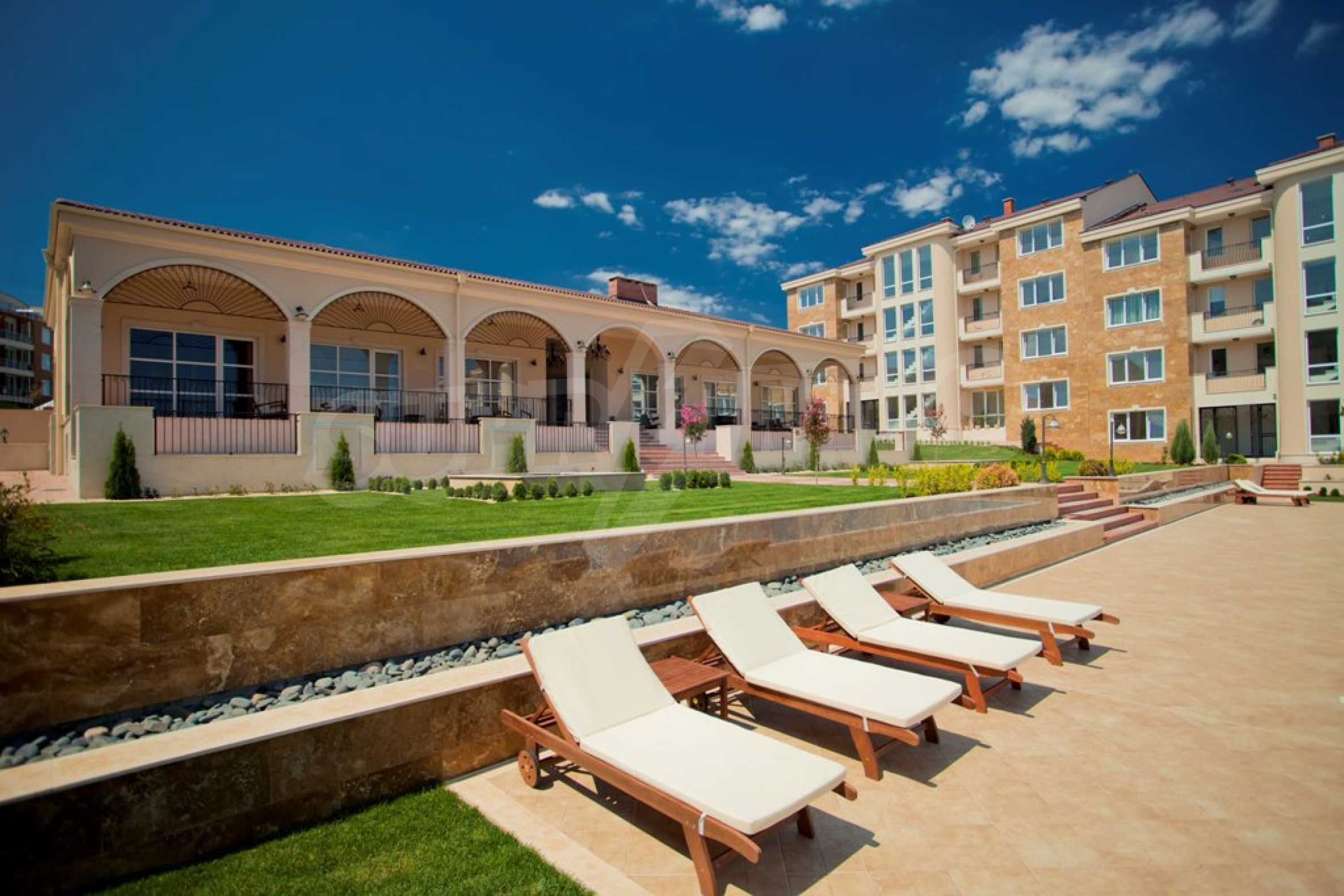 New apartment complex Atia resort in Chernomorets 15