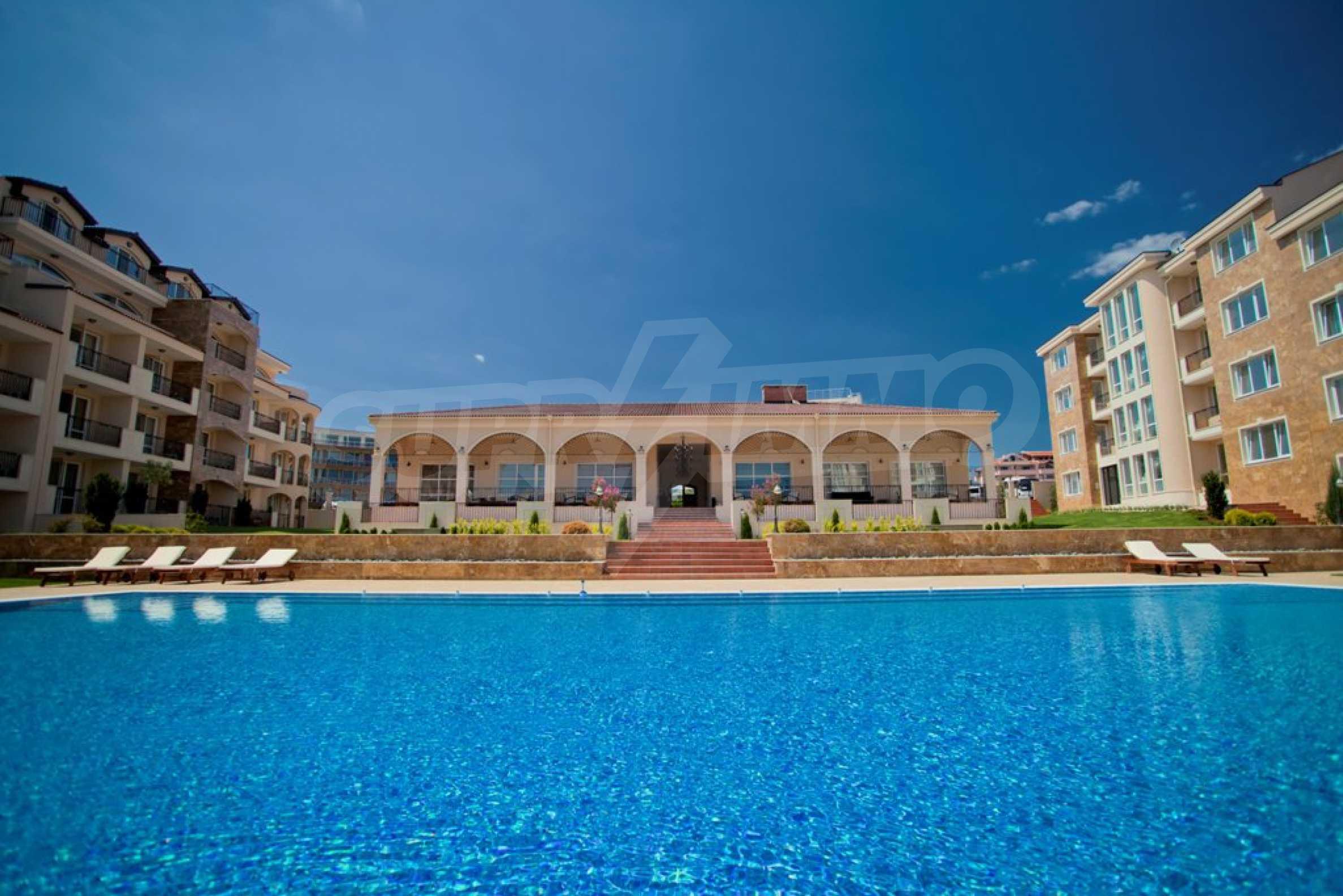 New apartment complex Atia resort in Chernomorets 7