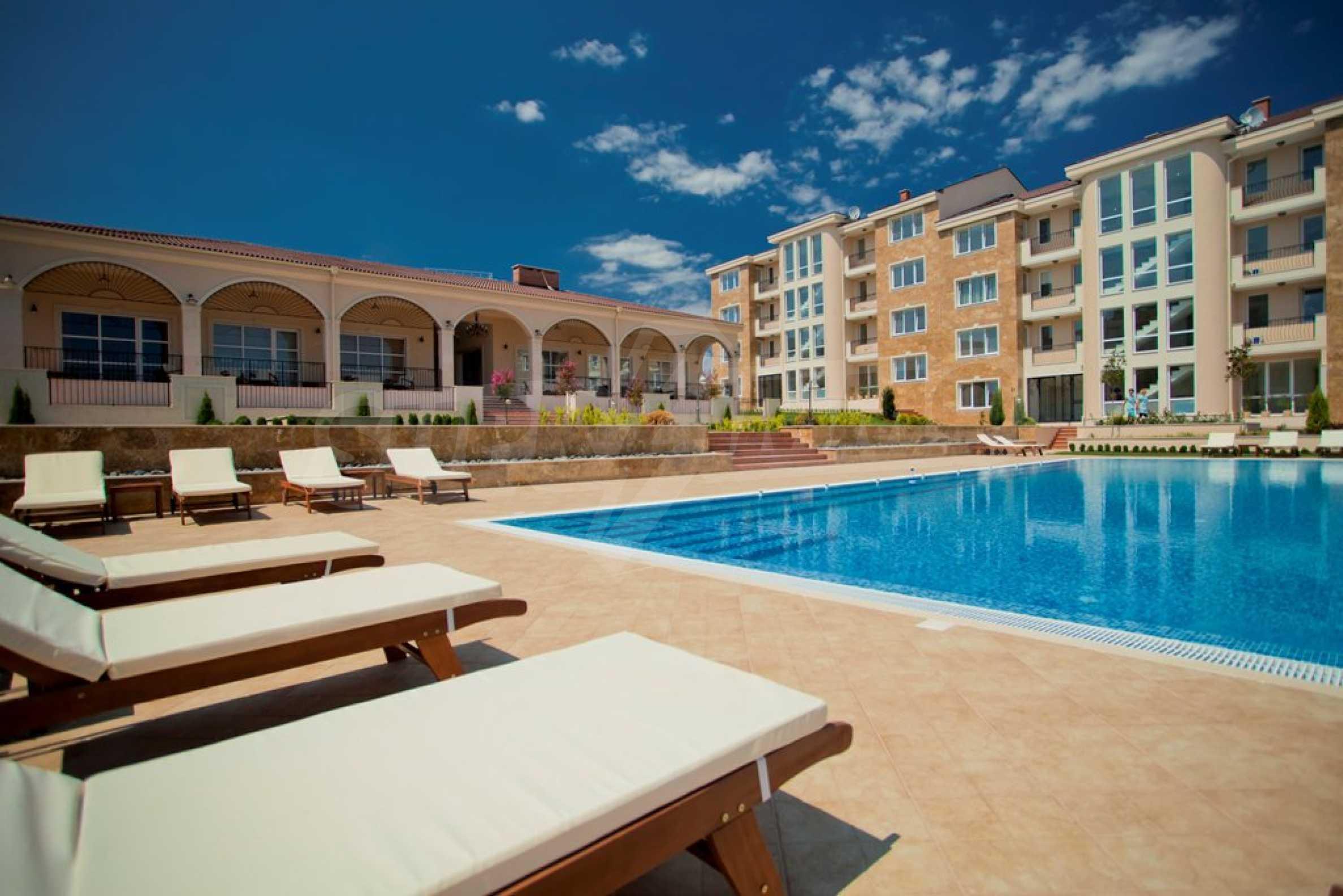 New apartment complex Atia resort in Chernomorets 8