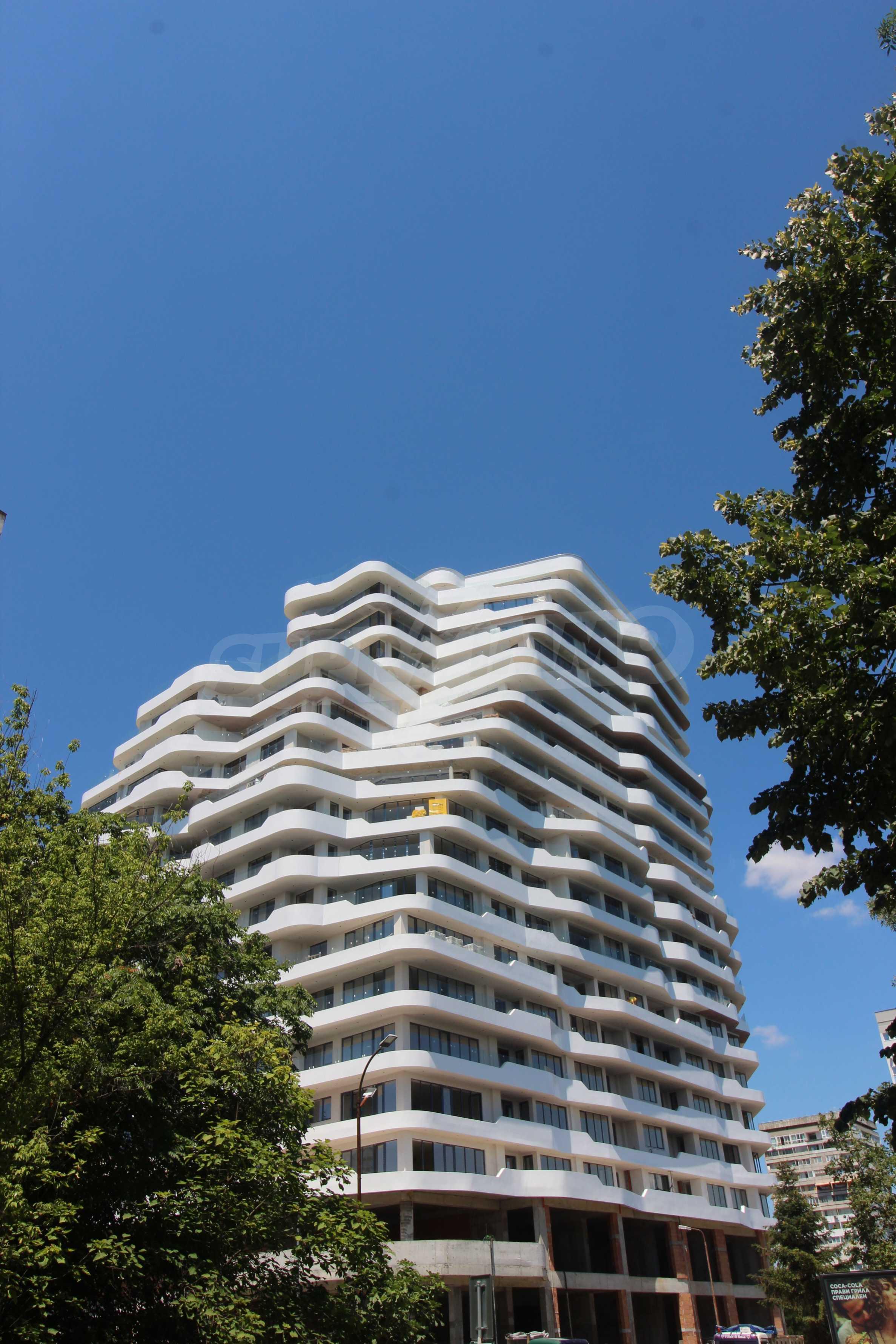 Апартаменти в ефектна сграда с модерна визия до Морската градина 6