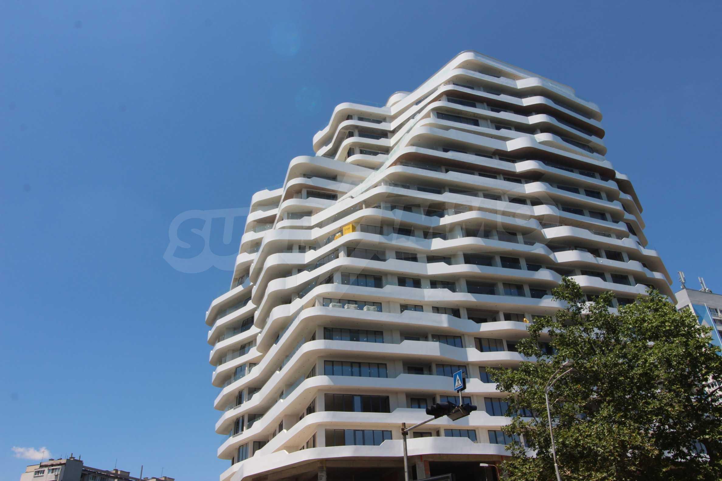 Апартаменти в ефектна сграда с модерна визия до Морската градина 7