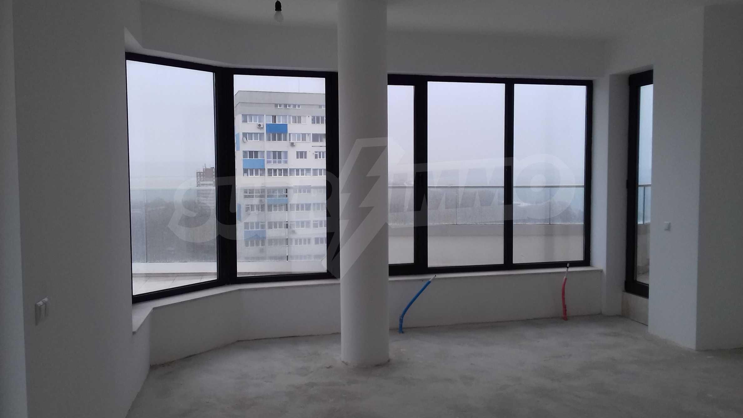 Апартаменти в ефектна сграда с модерна визия до Морската градина 10