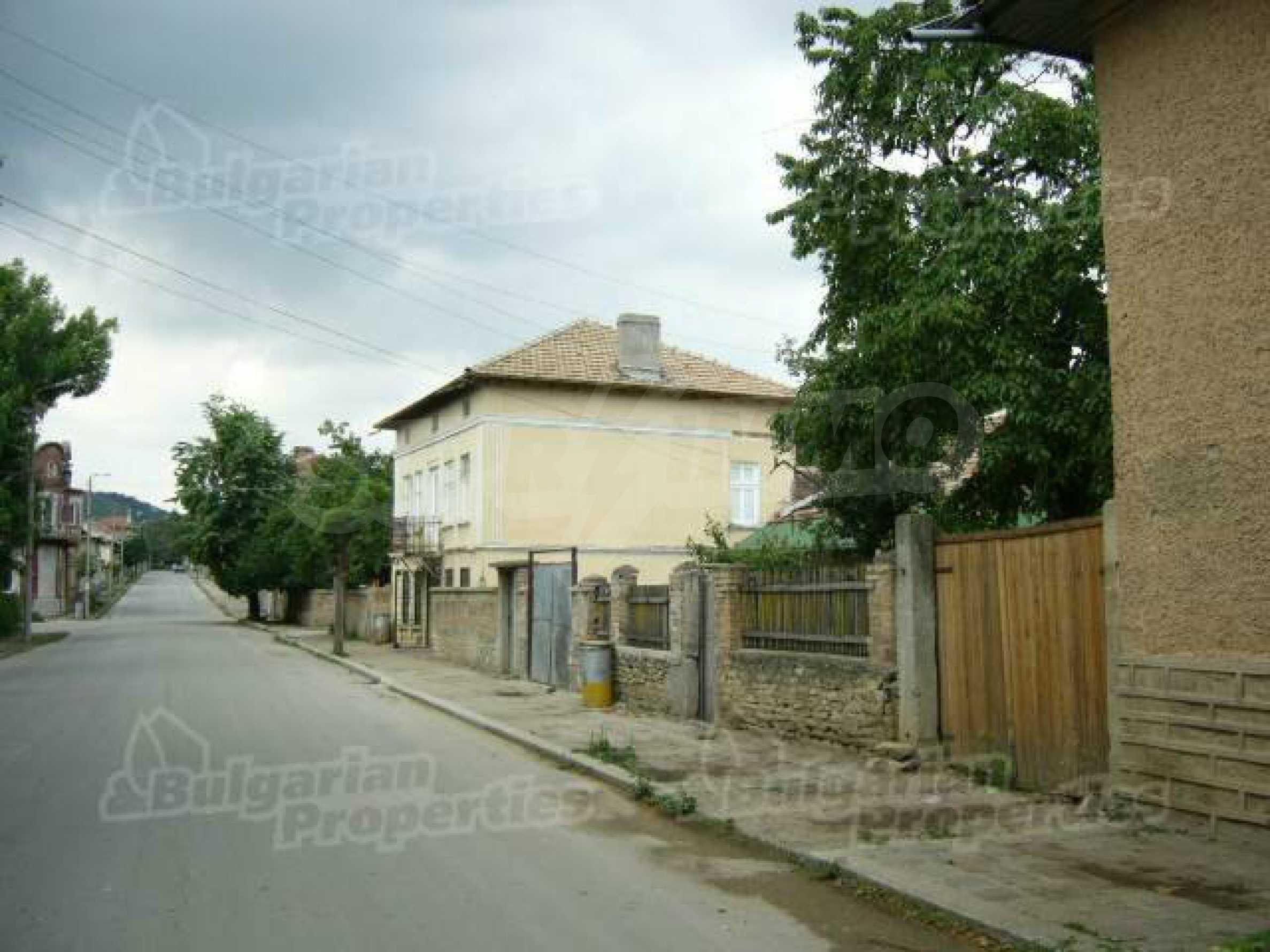 Einstöckiges Haus in einer kleinen Stadt, nur 15 km von Pavlikeni entfernt 12