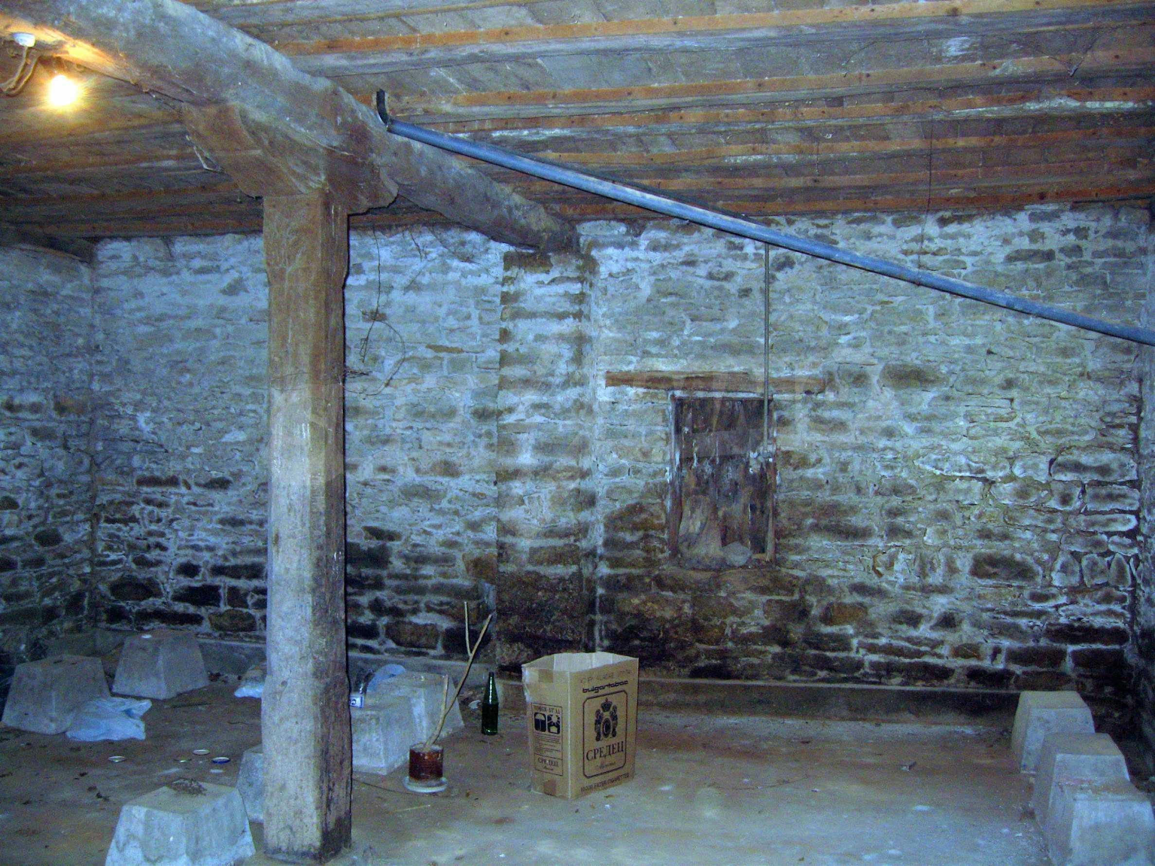 Einstöckiges Haus in einer kleinen Stadt, nur 15 km von Pavlikeni entfernt 23