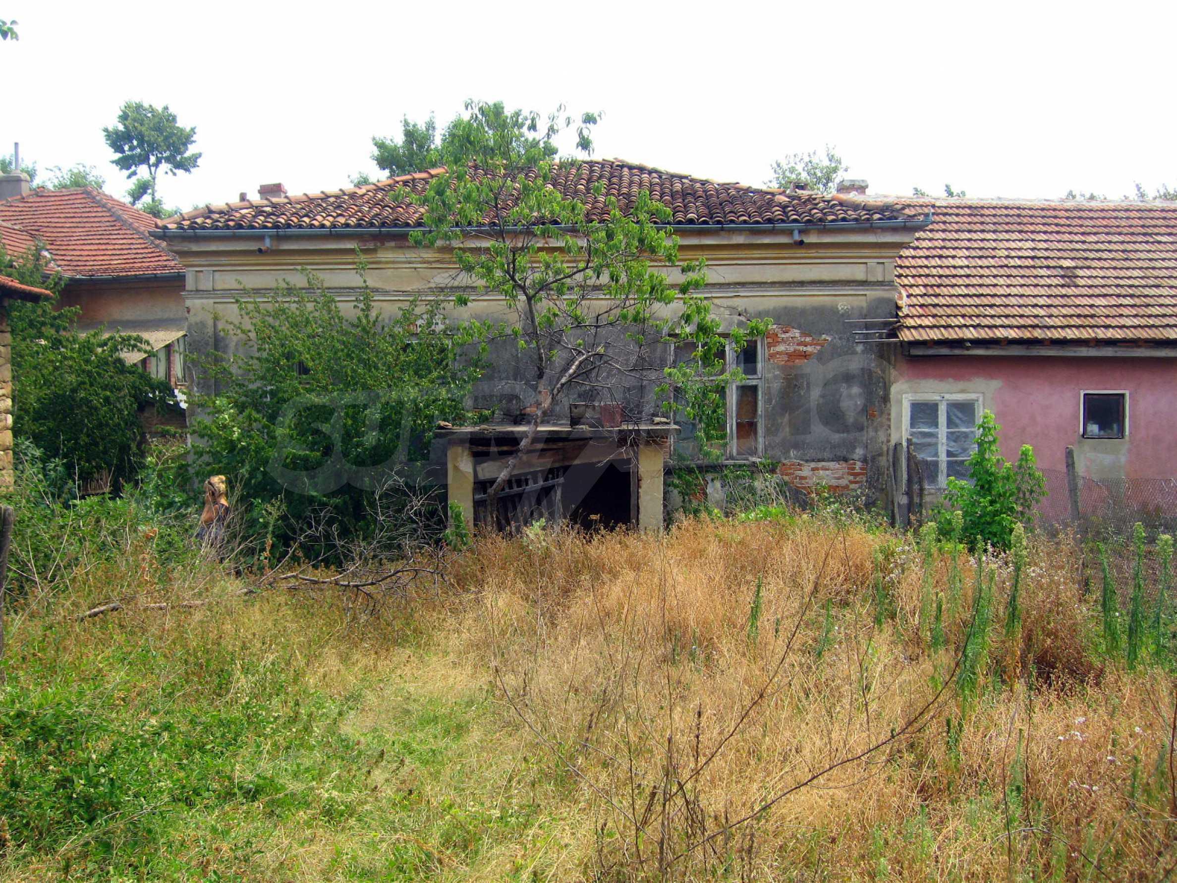 Einstöckiges Haus in einer kleinen Stadt, nur 15 km von Pavlikeni entfernt 24