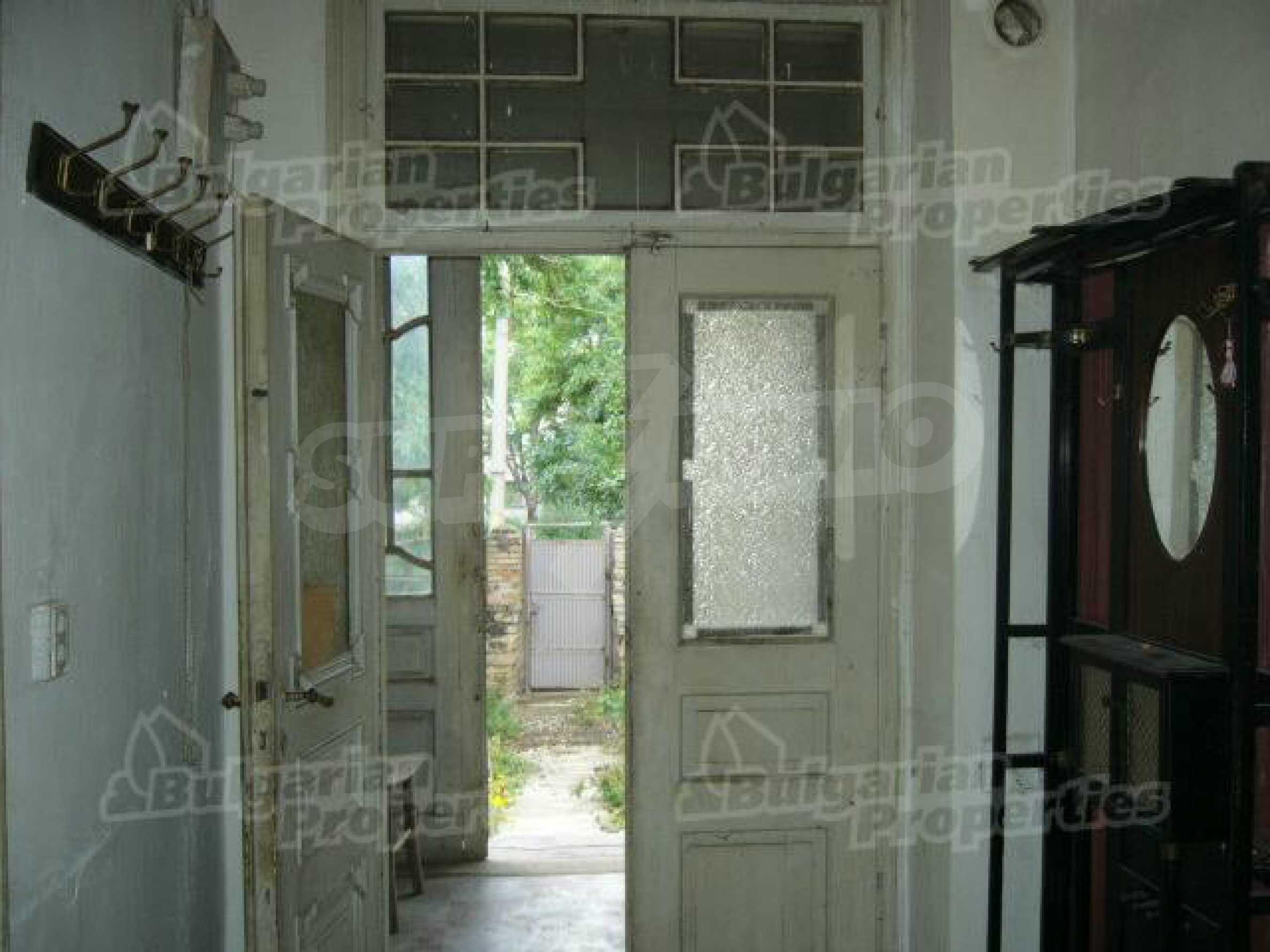 Einstöckiges Haus in einer kleinen Stadt, nur 15 km von Pavlikeni entfernt 4