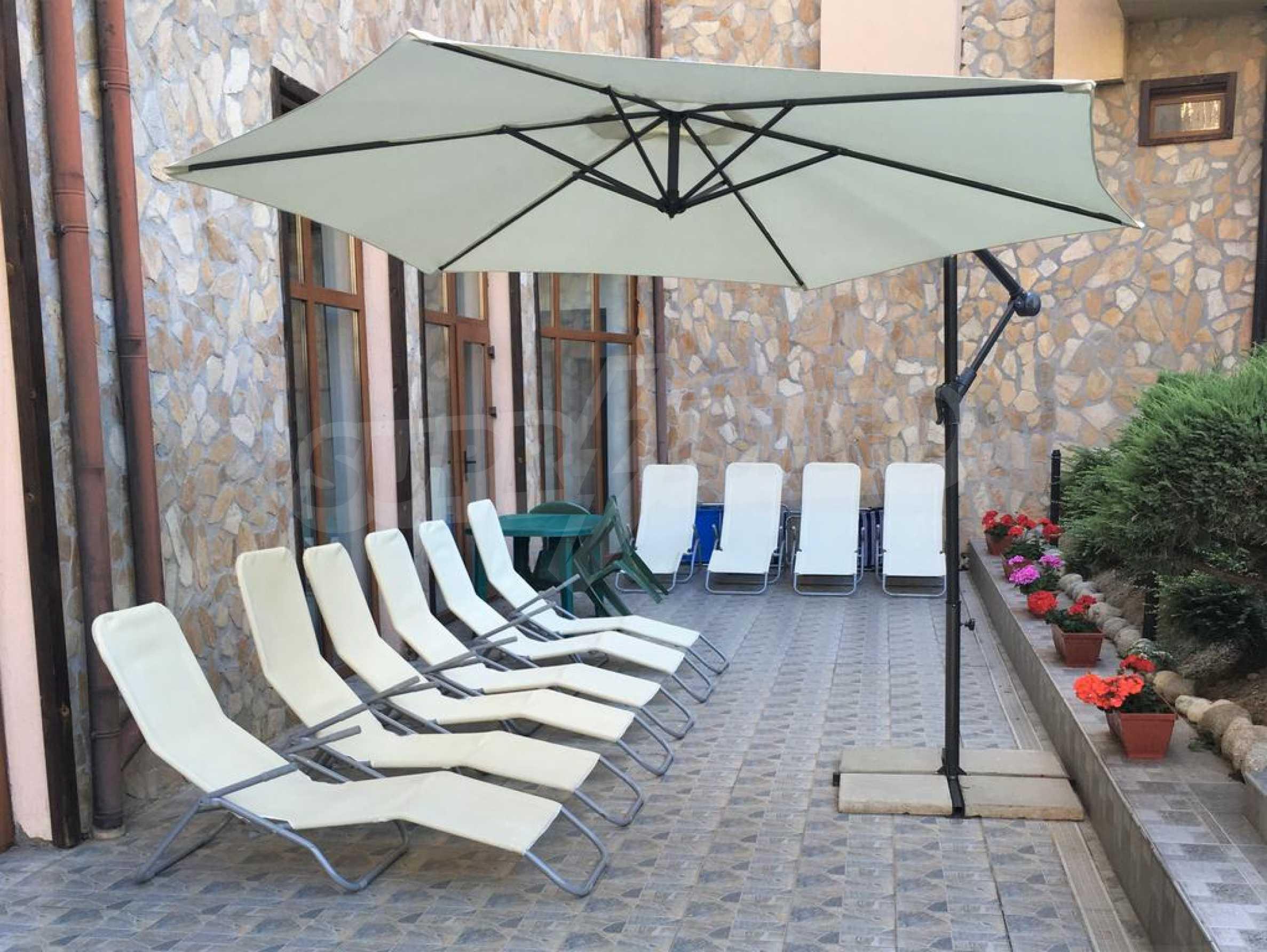 Уютен двустаен апартамент, разположен в комплекс Топ Лодж, само на метри от ски лифта в Банско 11